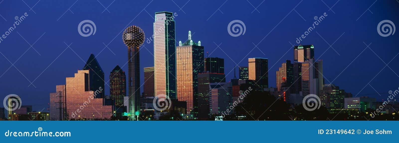 Dallas, horizon de TX au crépuscule