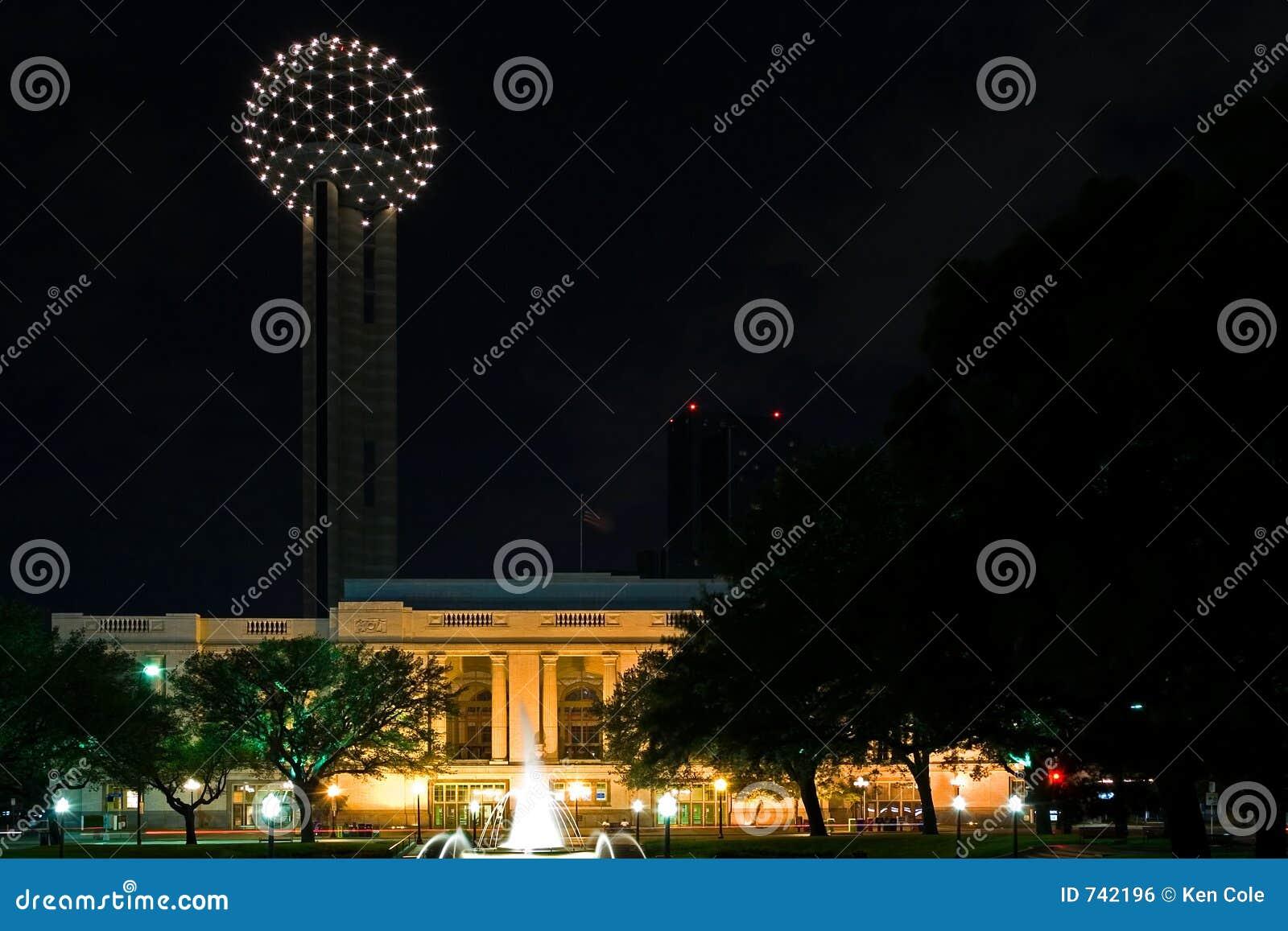 Dallas nocy spotkanie wieży