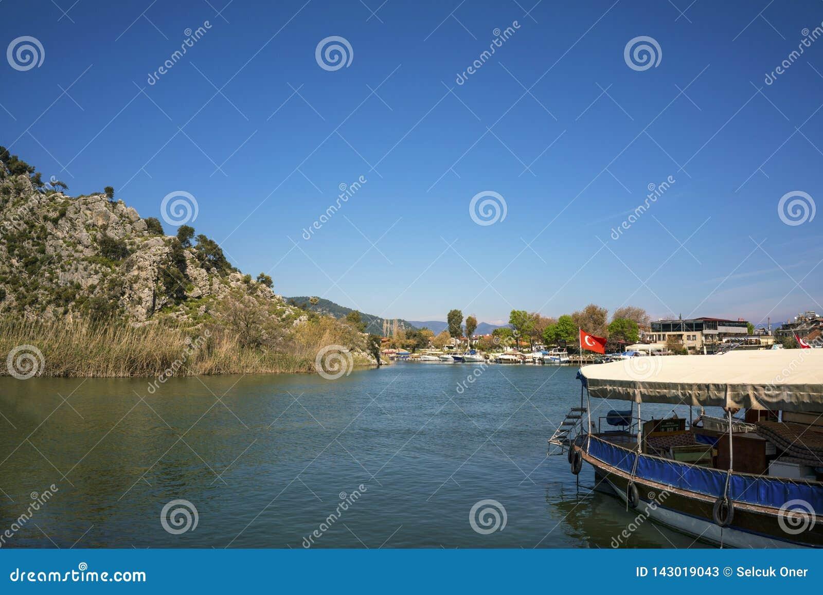 Dalyan rzeka przy Dalyan i, Turcja