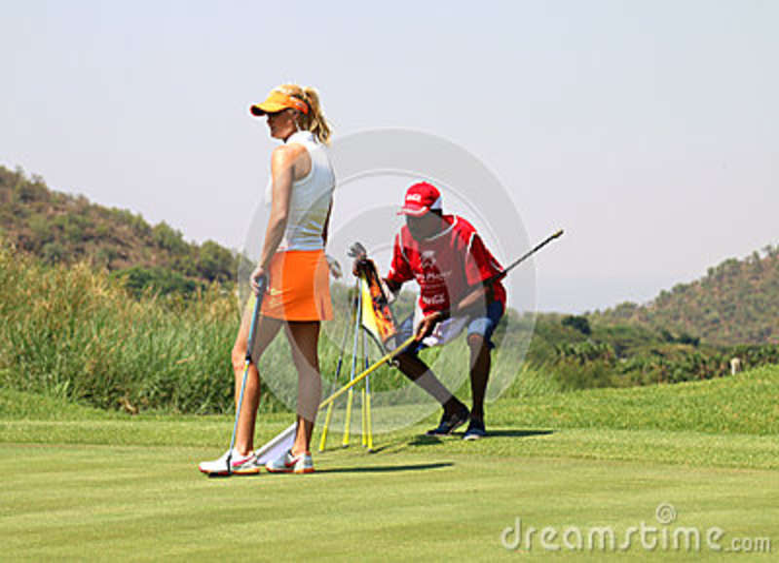 Dama pro golfisty Carly budka przygotowywa stawiać Listopad 2015 wewnątrz