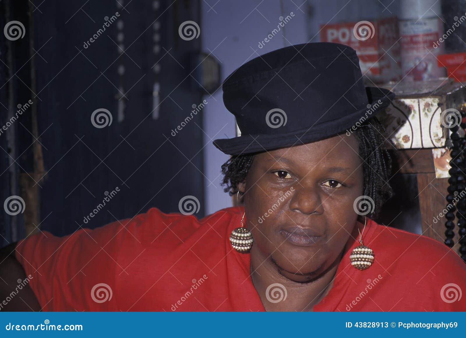 Dame d Afro avec le chapeau, Trinidad