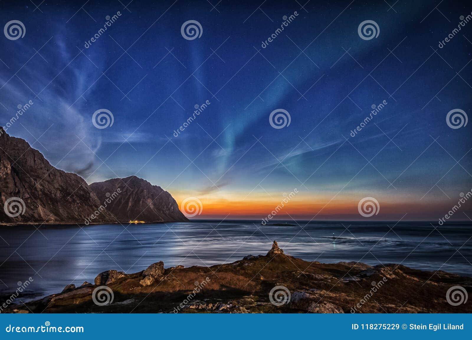 Dame de brassage l aurore chez Myrland dans Lofoten