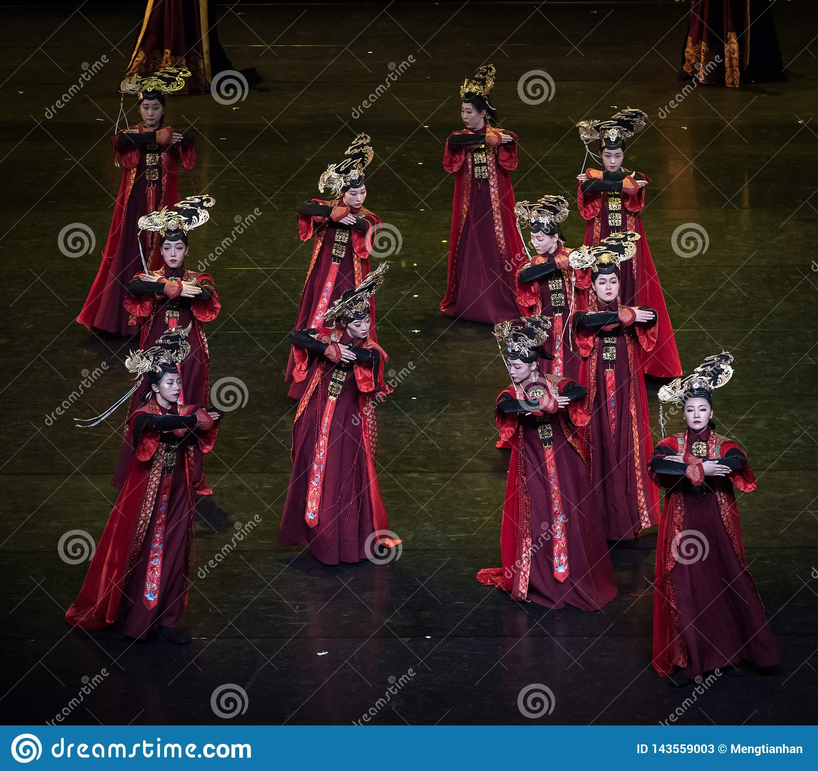 Dança de corte da dança 11-Classical de Geiger