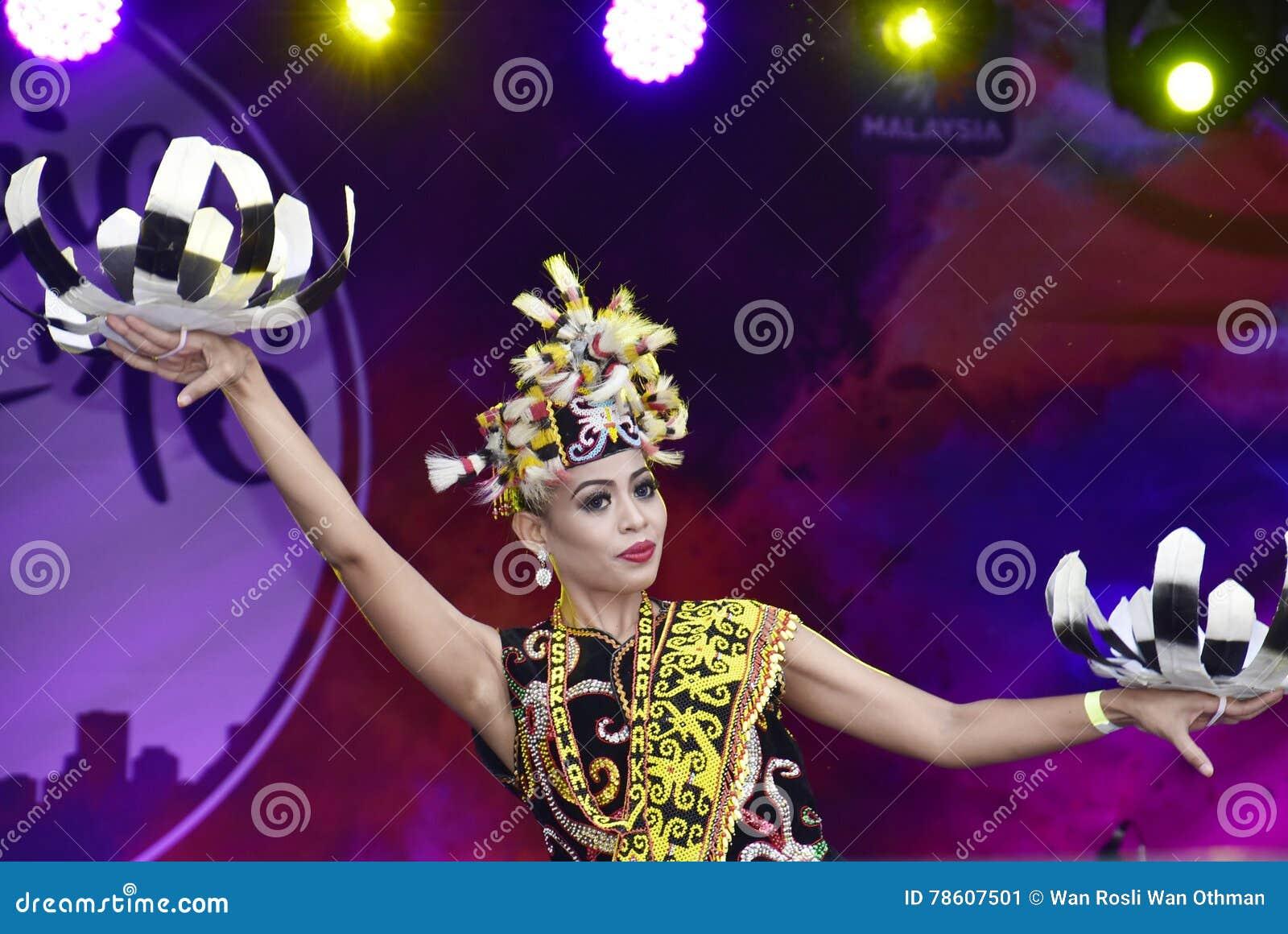 Dança de Enggang