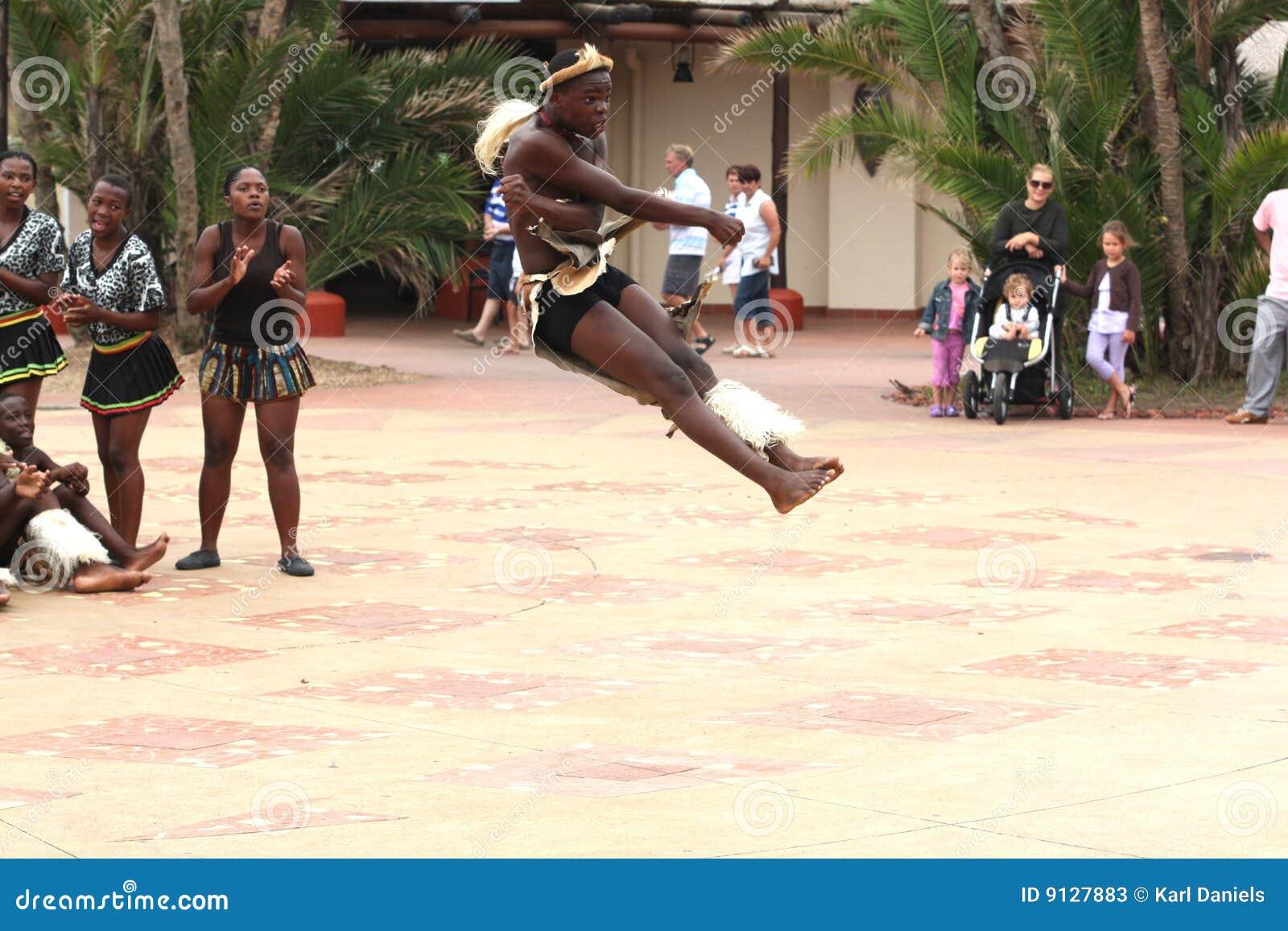 Dançarino do tribo Zulu
