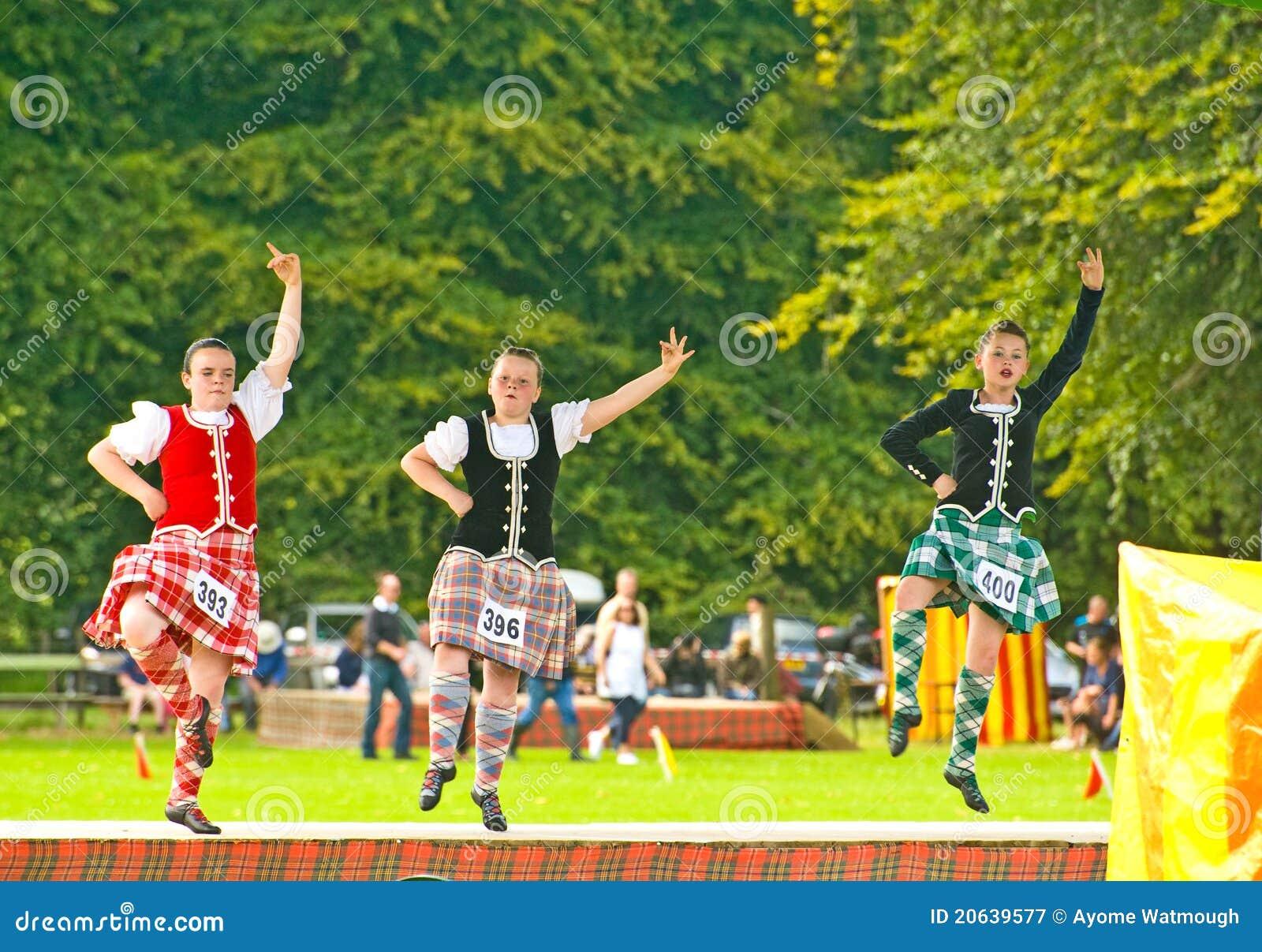 Dançarinos das montanhas em Strathpeffer.