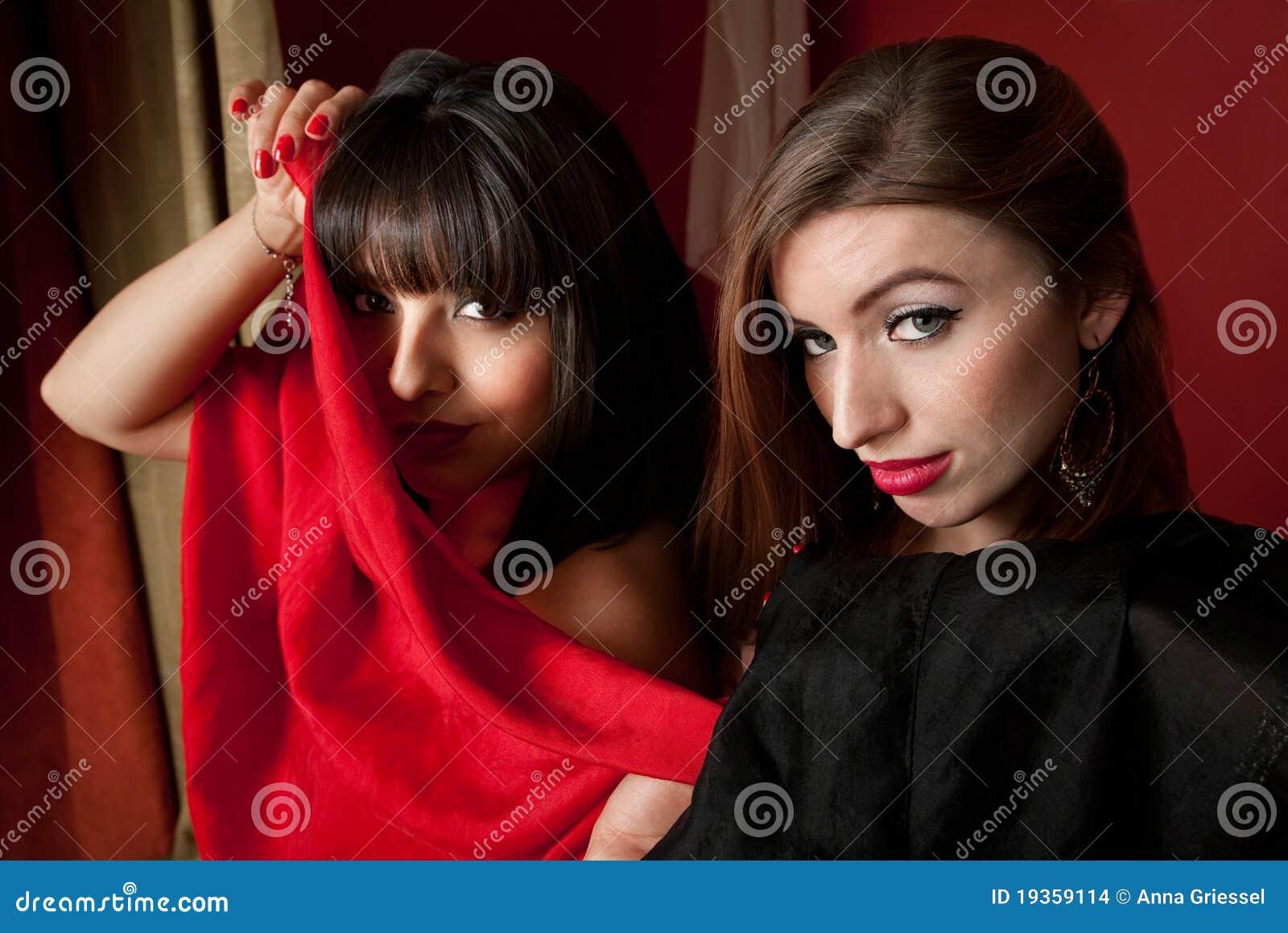 Dançarinos de barriga bonitos