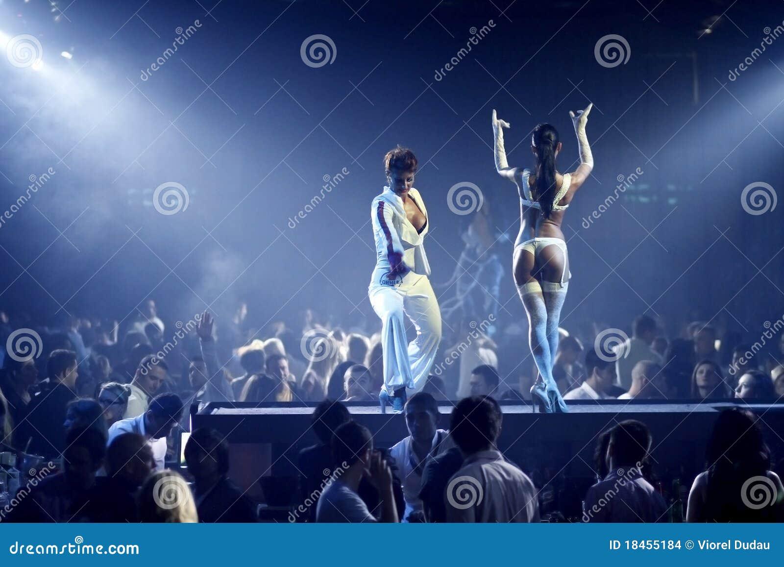 Dançarinos  sexy  no clube nocturno