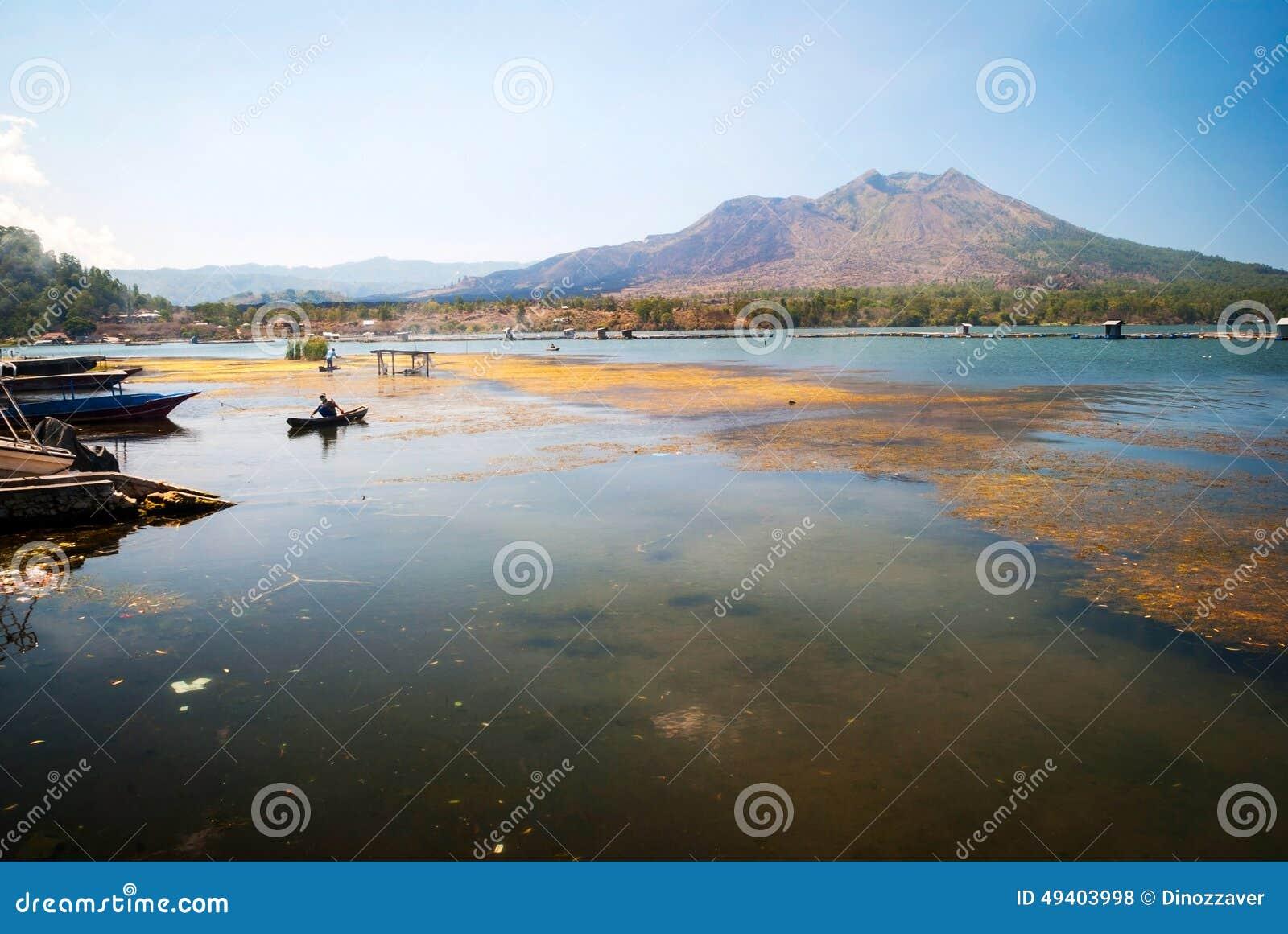 Download Danar-batur See Im Vulkanischen Kessel, Bali, Indonesien Stockfoto - Bild von boot, indonesien: 49403998