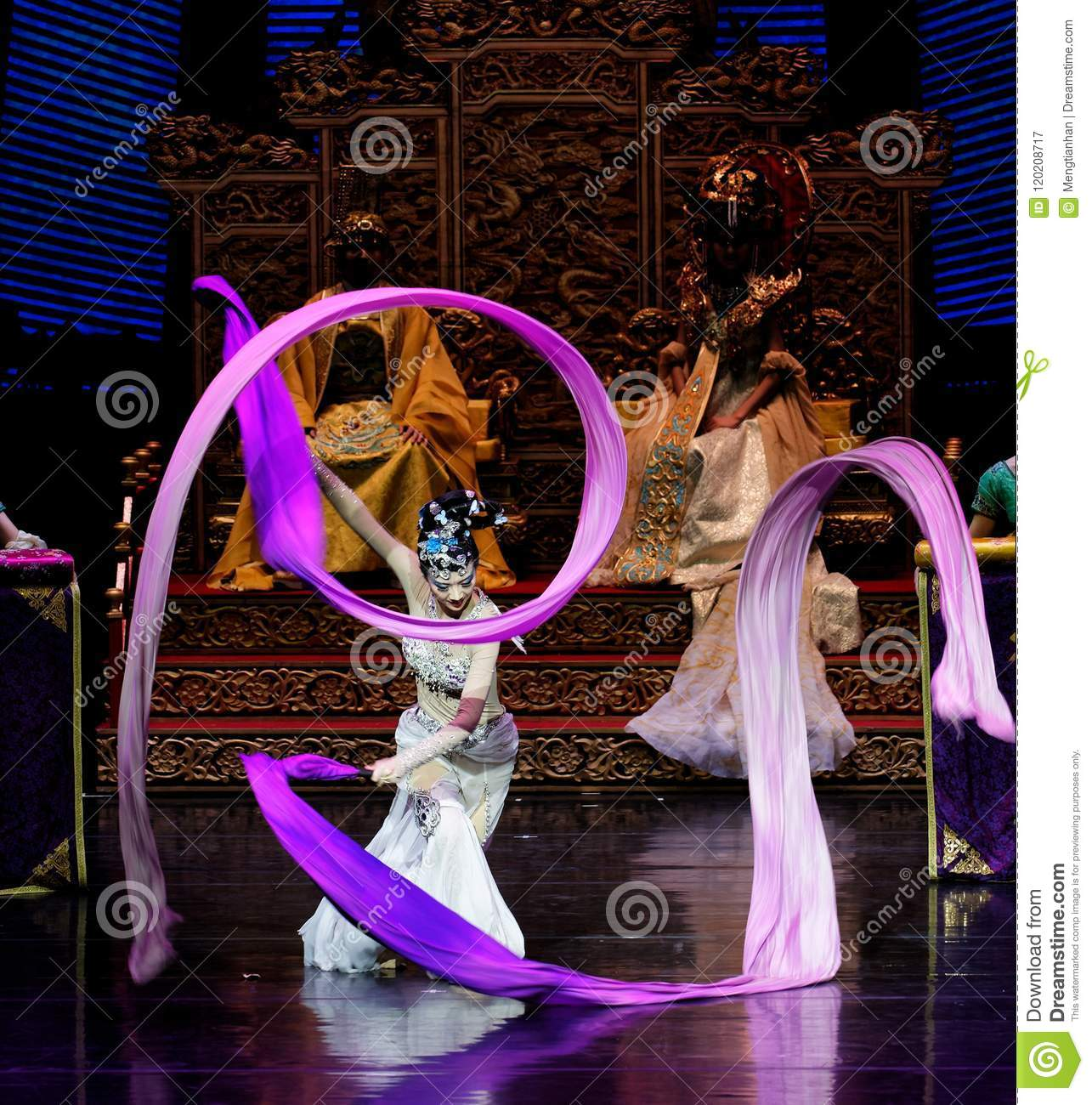 Long Silk Dance-The Second Act: A Feast In The Palace-Epic Dance