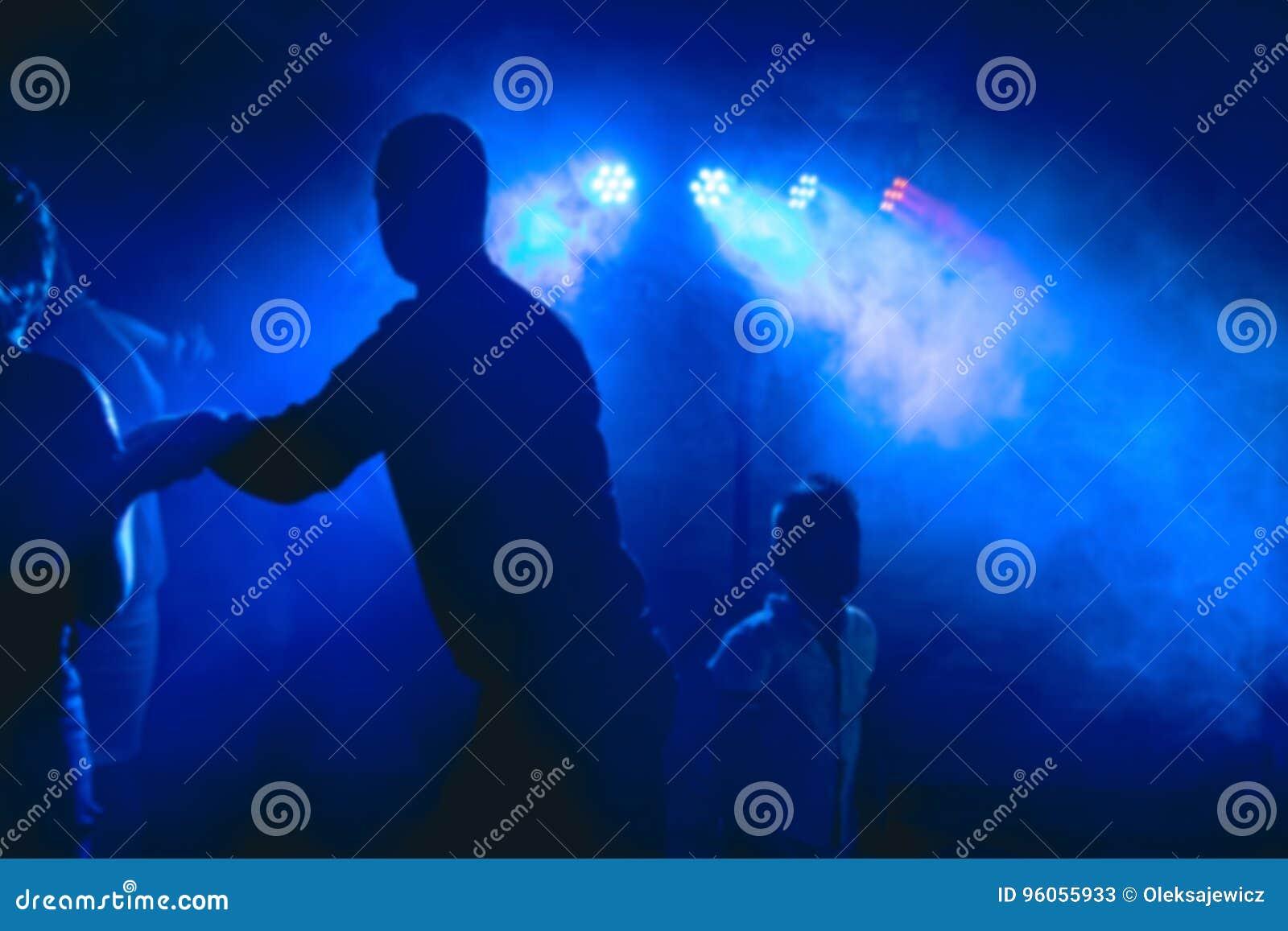 Dancefloor, concept de partie avec des personnes de danse
