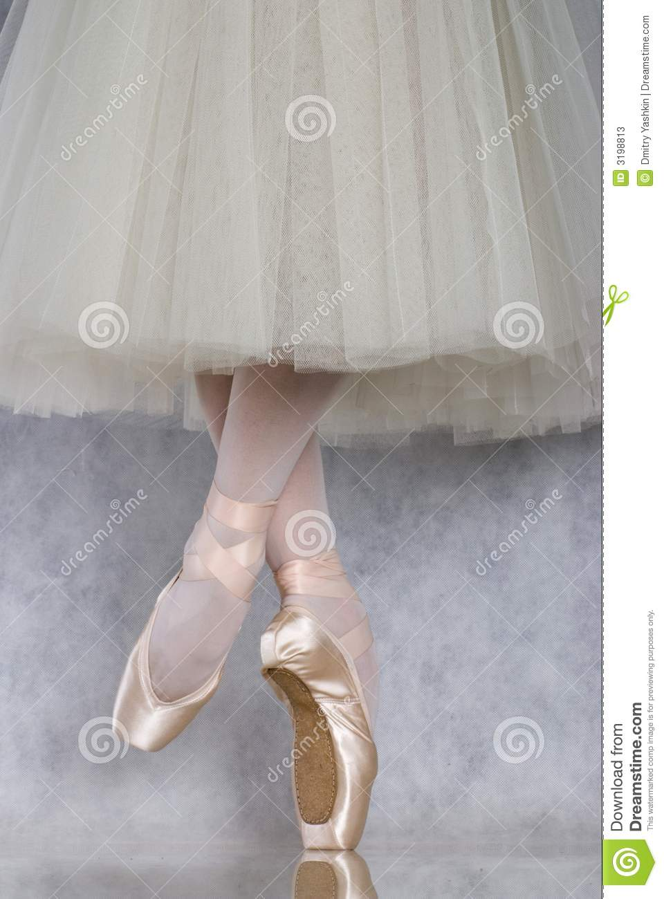 Dancer in ballet pointe