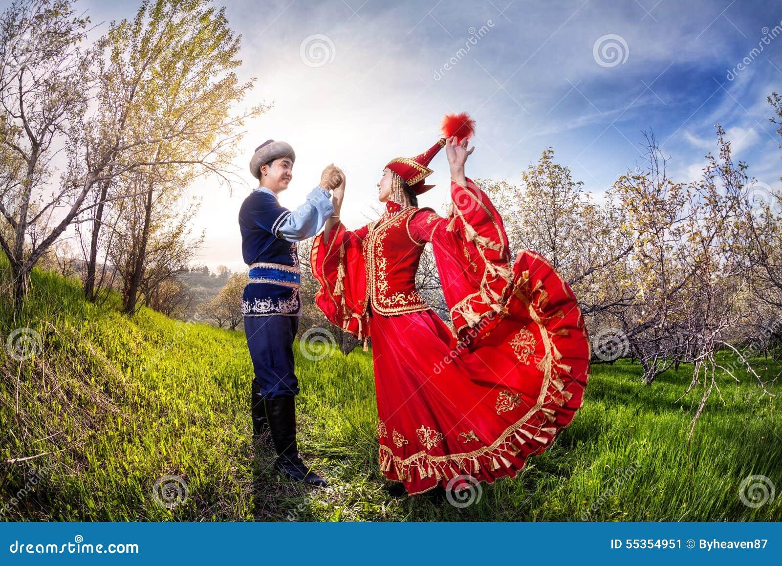 Dancing kazako