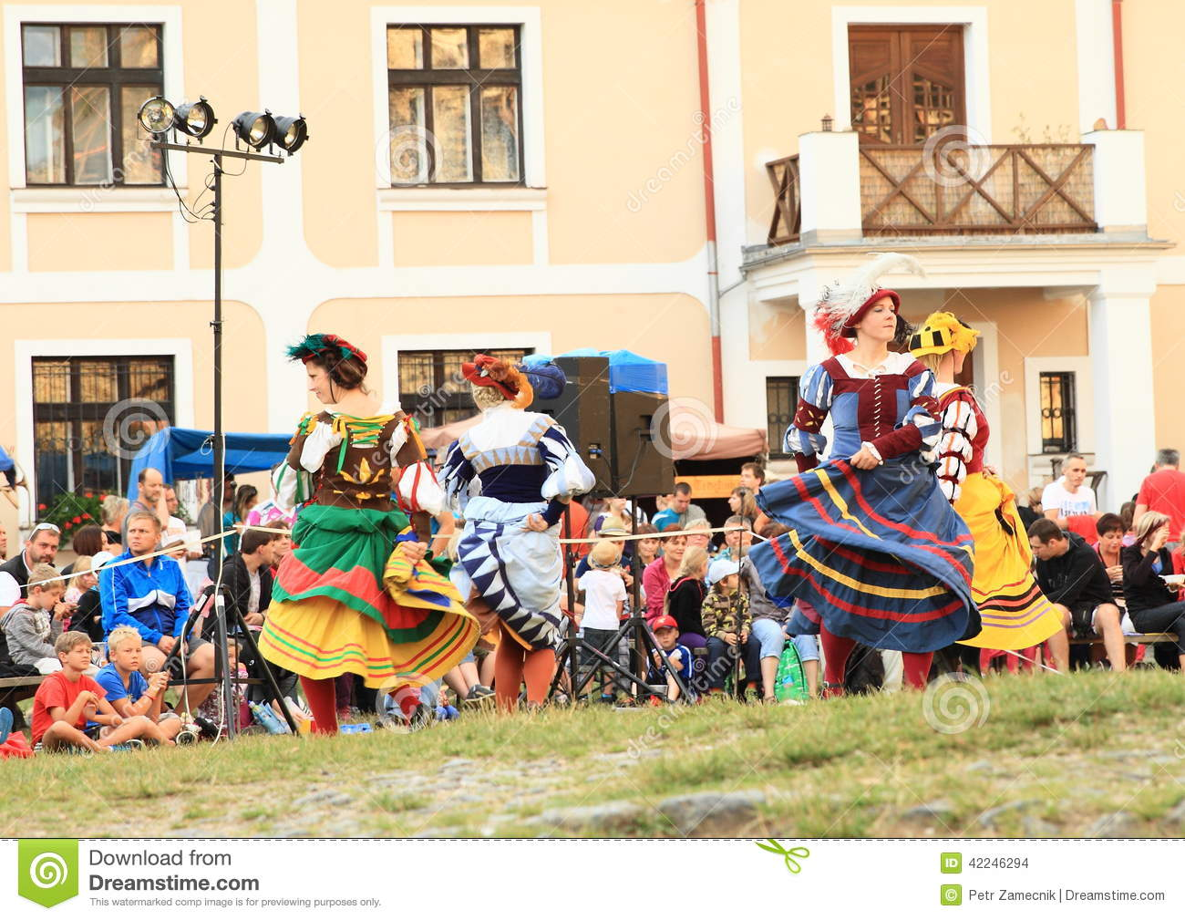 Download Dancing landsknecht women editorial stock image. Image of jule - 42246294