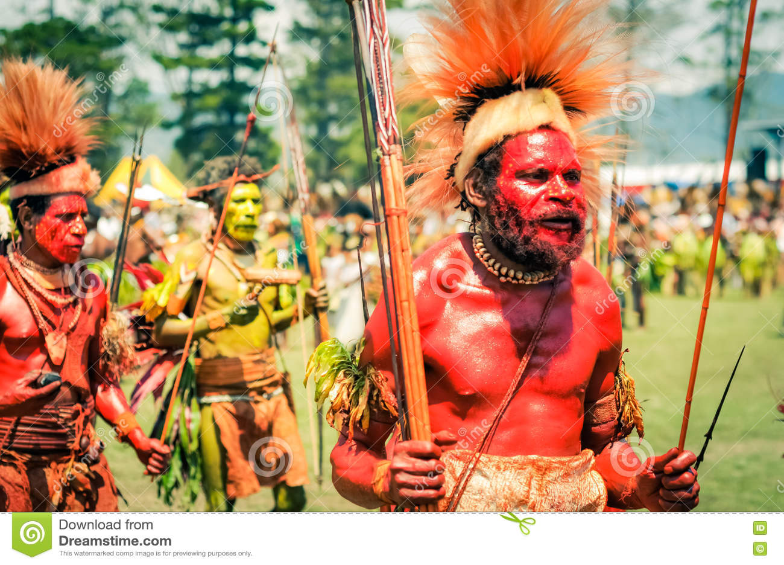 Walking Men In Papua New Guinea Editorial Stock Image