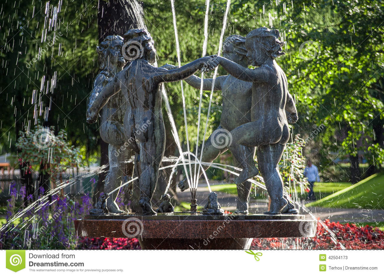 Water fountains with statues - Dancing Statues Water Fountain Stock Photos