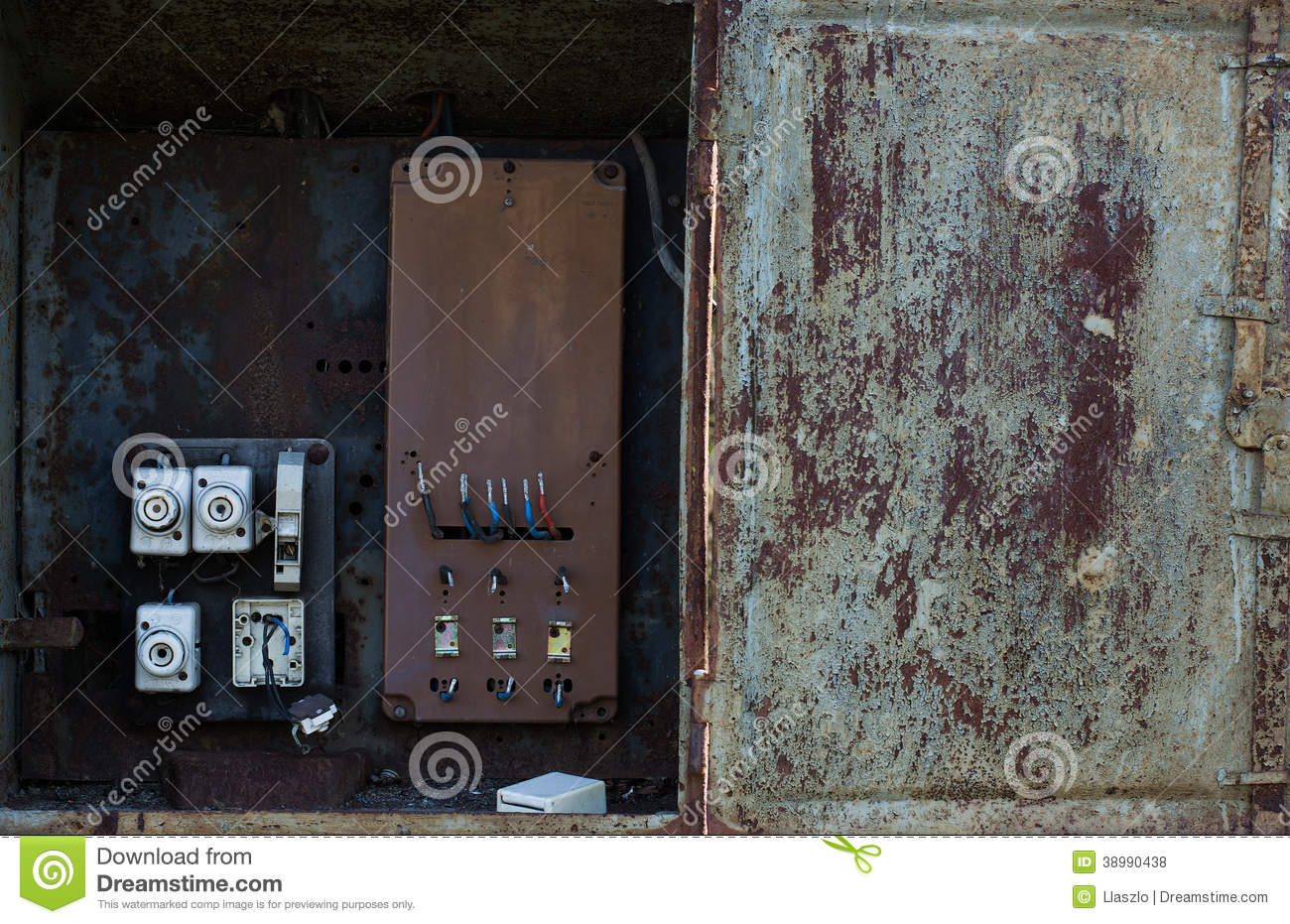 Dangerous Electric Stock Illustration Of Power 38990438 Electrical Wiring Meter Messy Faulty Installation