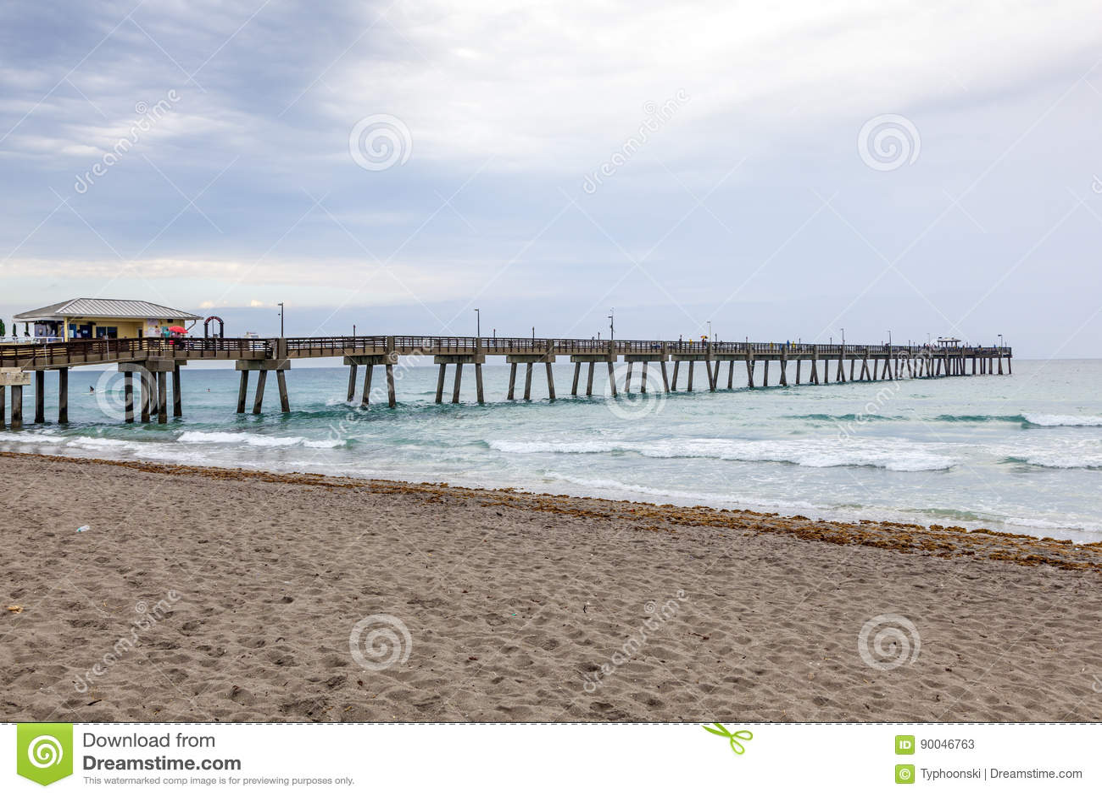 Dania Beach Fishing Pier Florida Stock Image Image Of Twilight