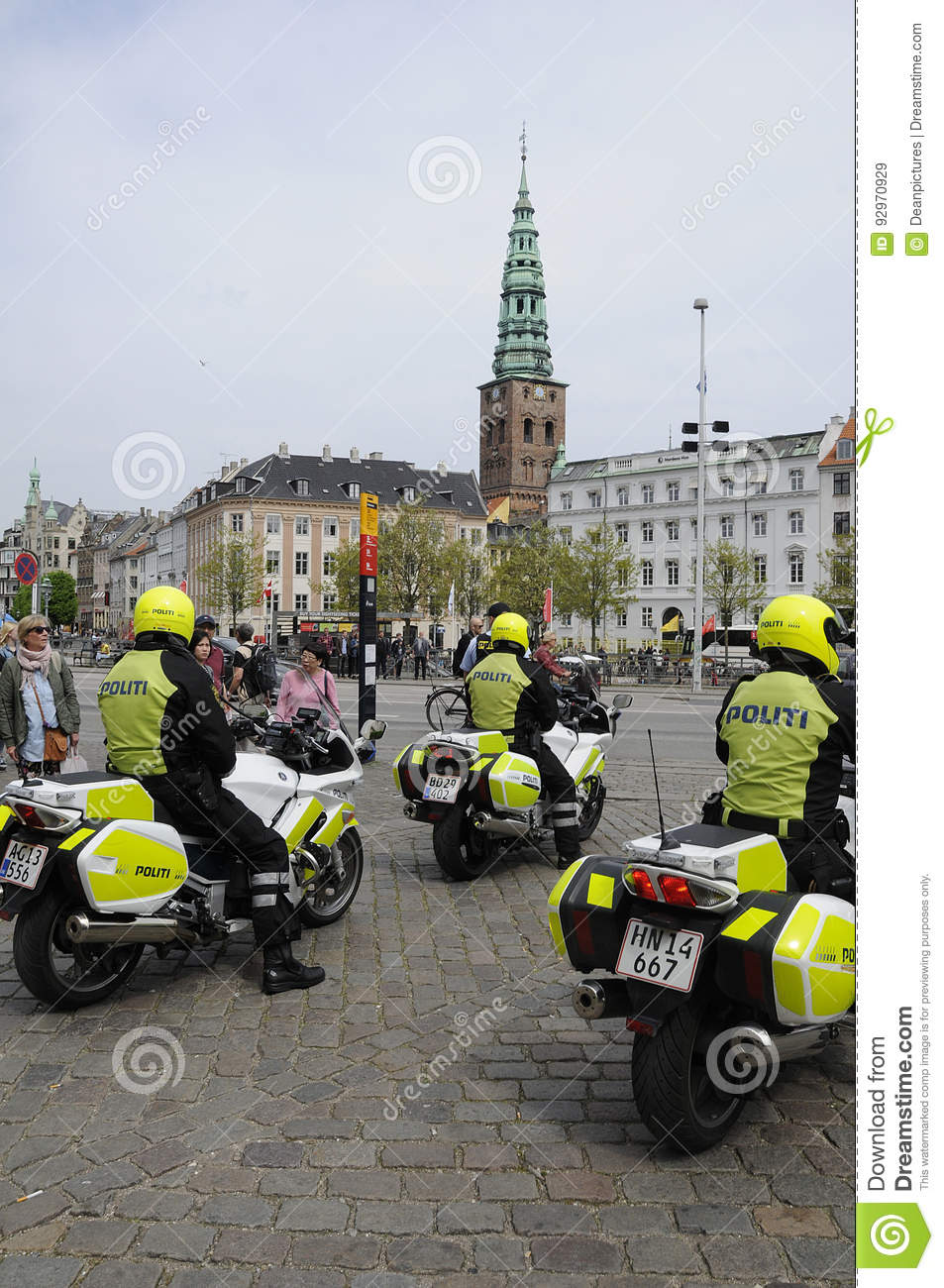 _Danish police escort offical guest`s motorcade of Preisent of Latia  Raimonds Vejonis from Prime minister ofice after political meetiwnt danish  prime ...