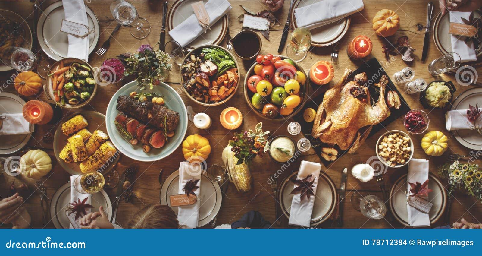 Danksagungs-Feier-traditionelles Abendessen-Gedeck Concep