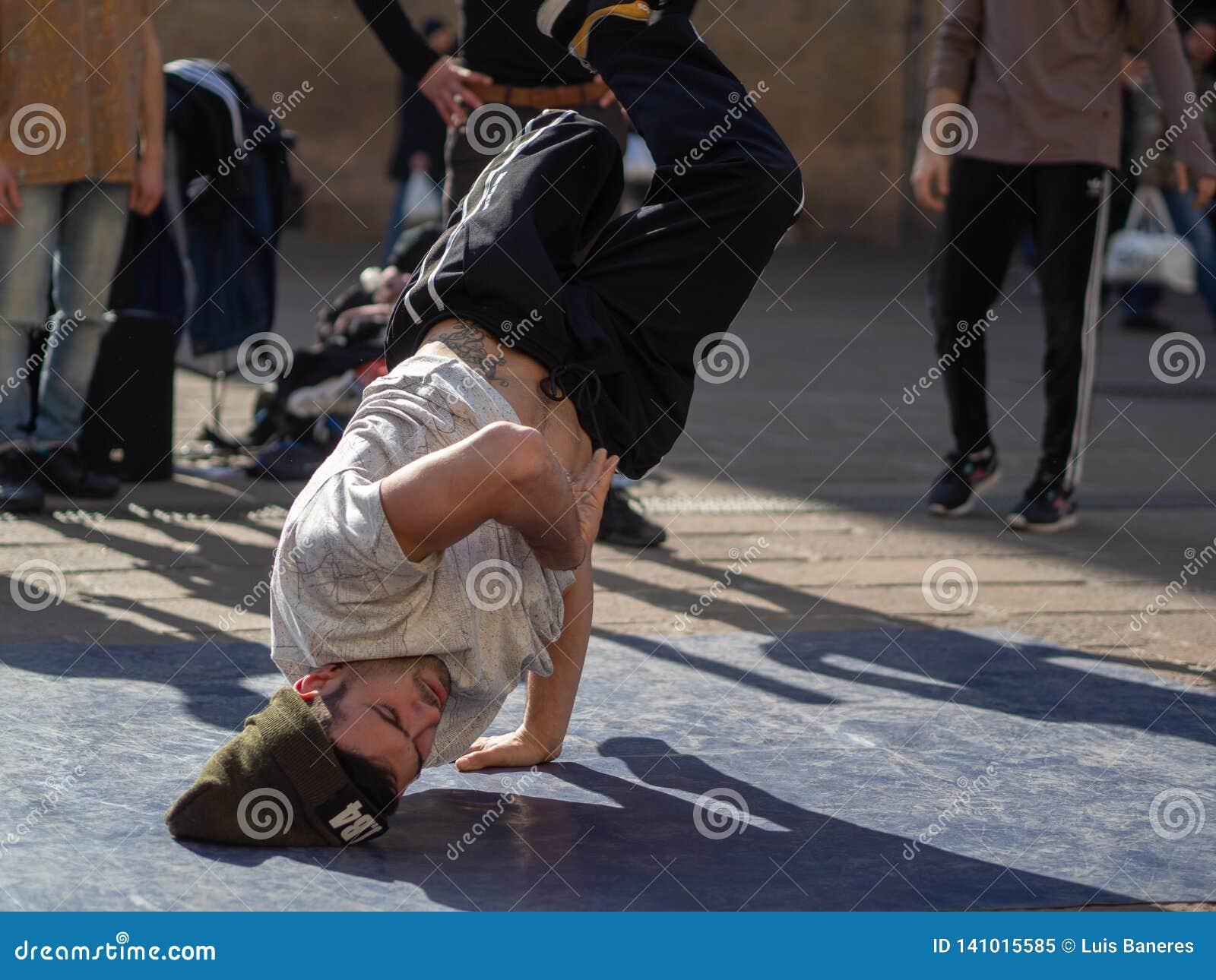 Dansa avbrottsdans i bolognaen, Italien