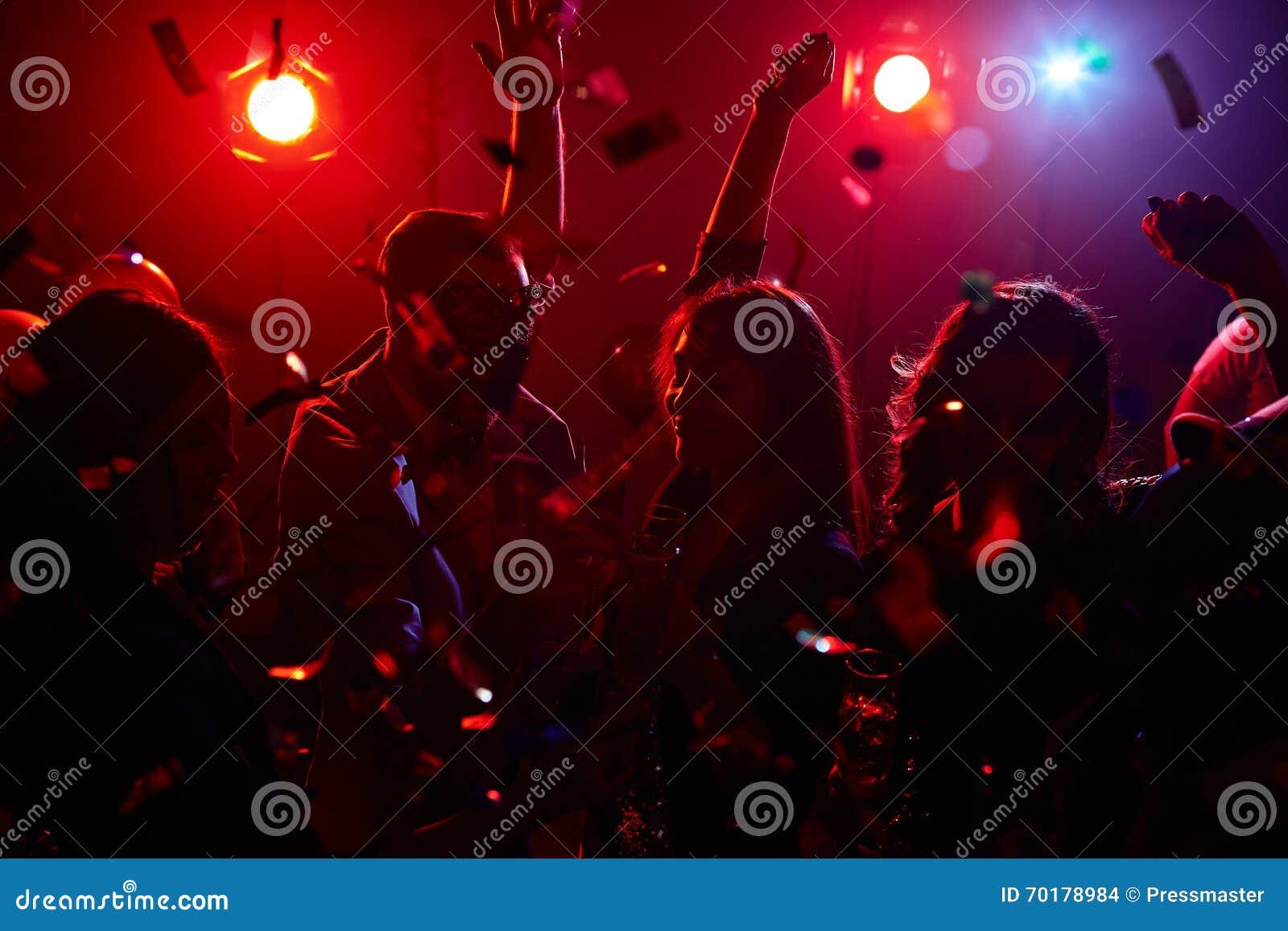 Dansa i konfettier