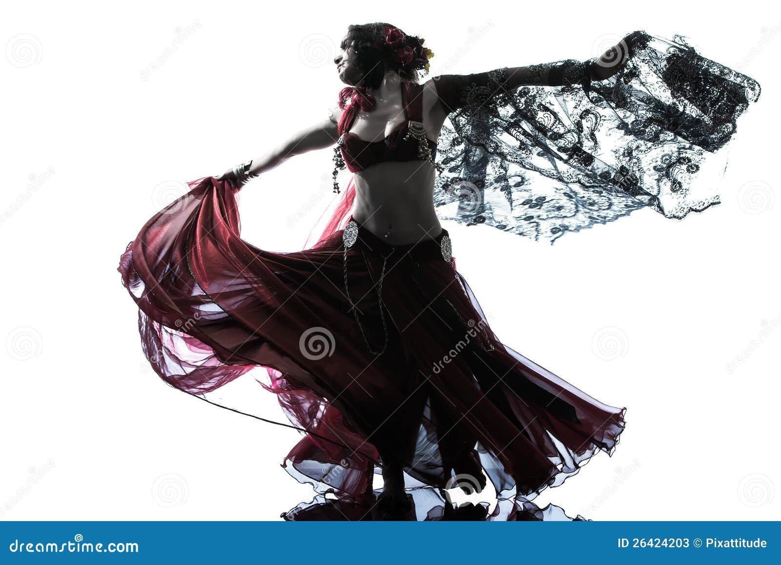 Danse arabe de danseur de ventre de femme