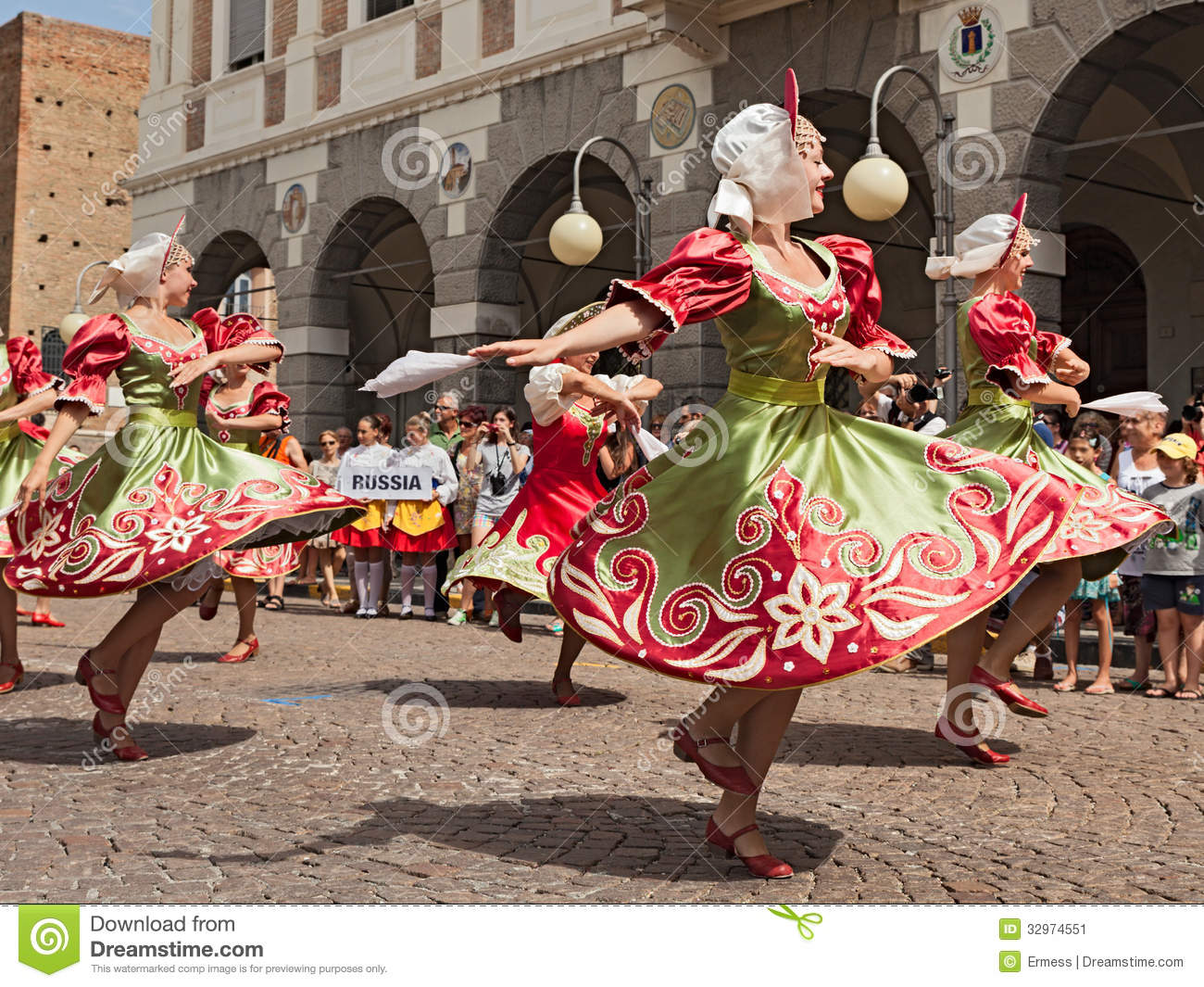 Folklore russe plus folklore russe