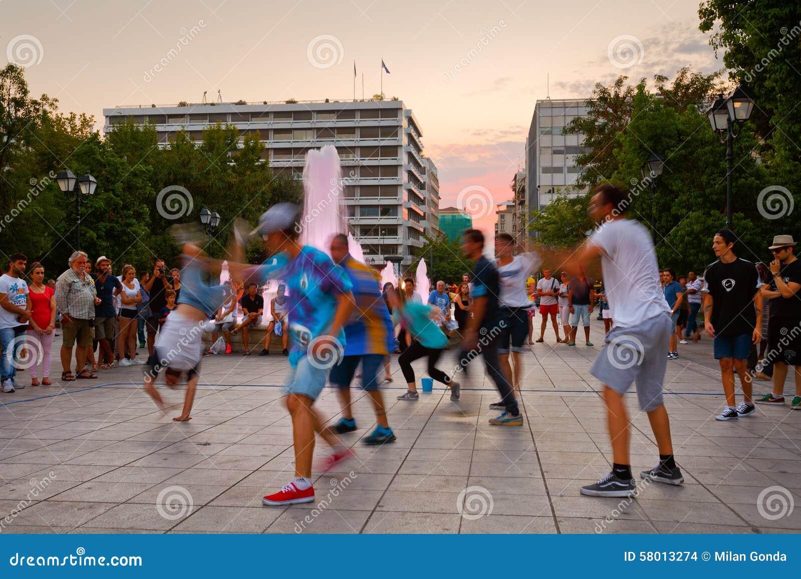 Dansers in Syntagmavierkant