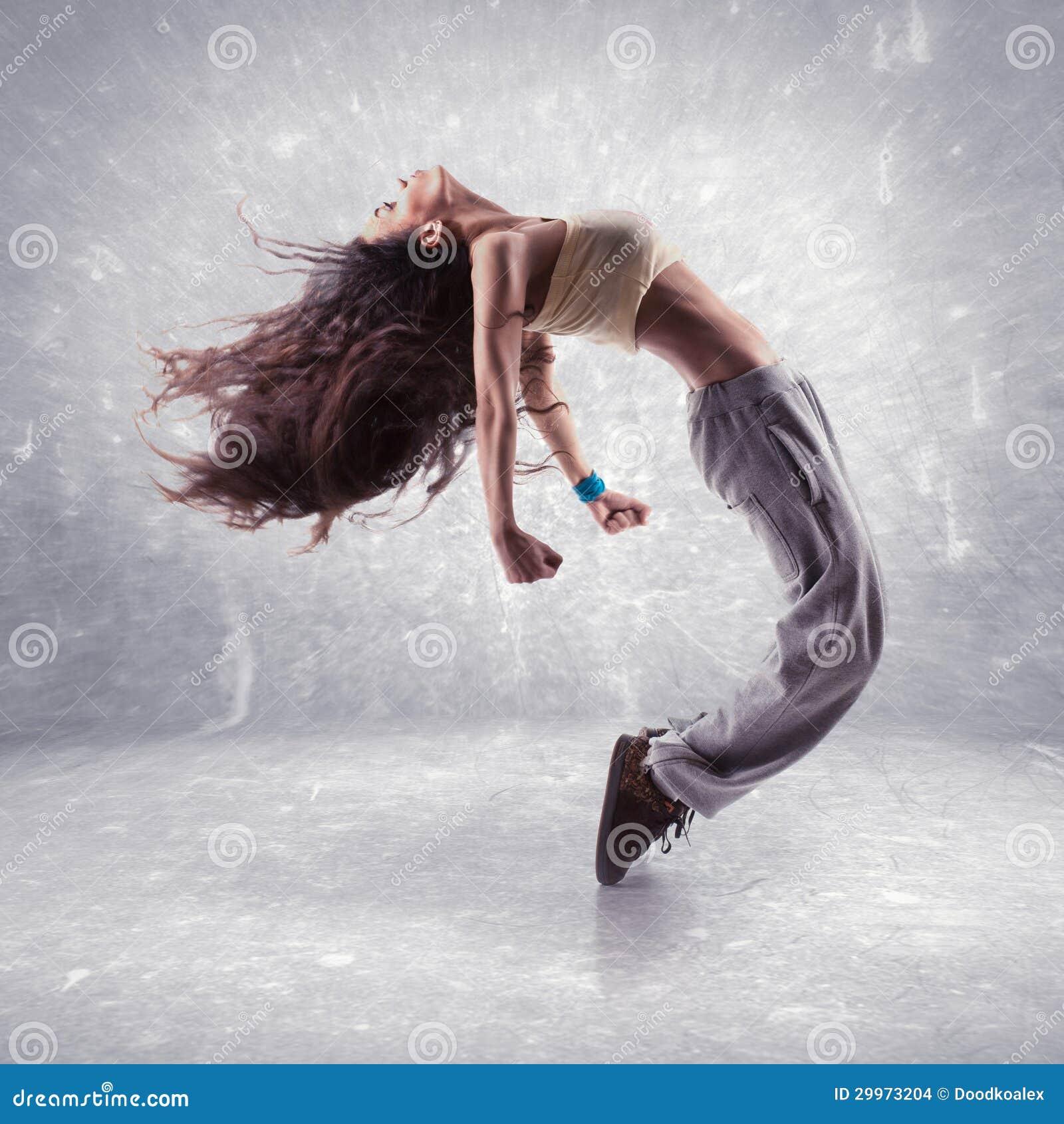 Danseur de hip-hop de jeune femme