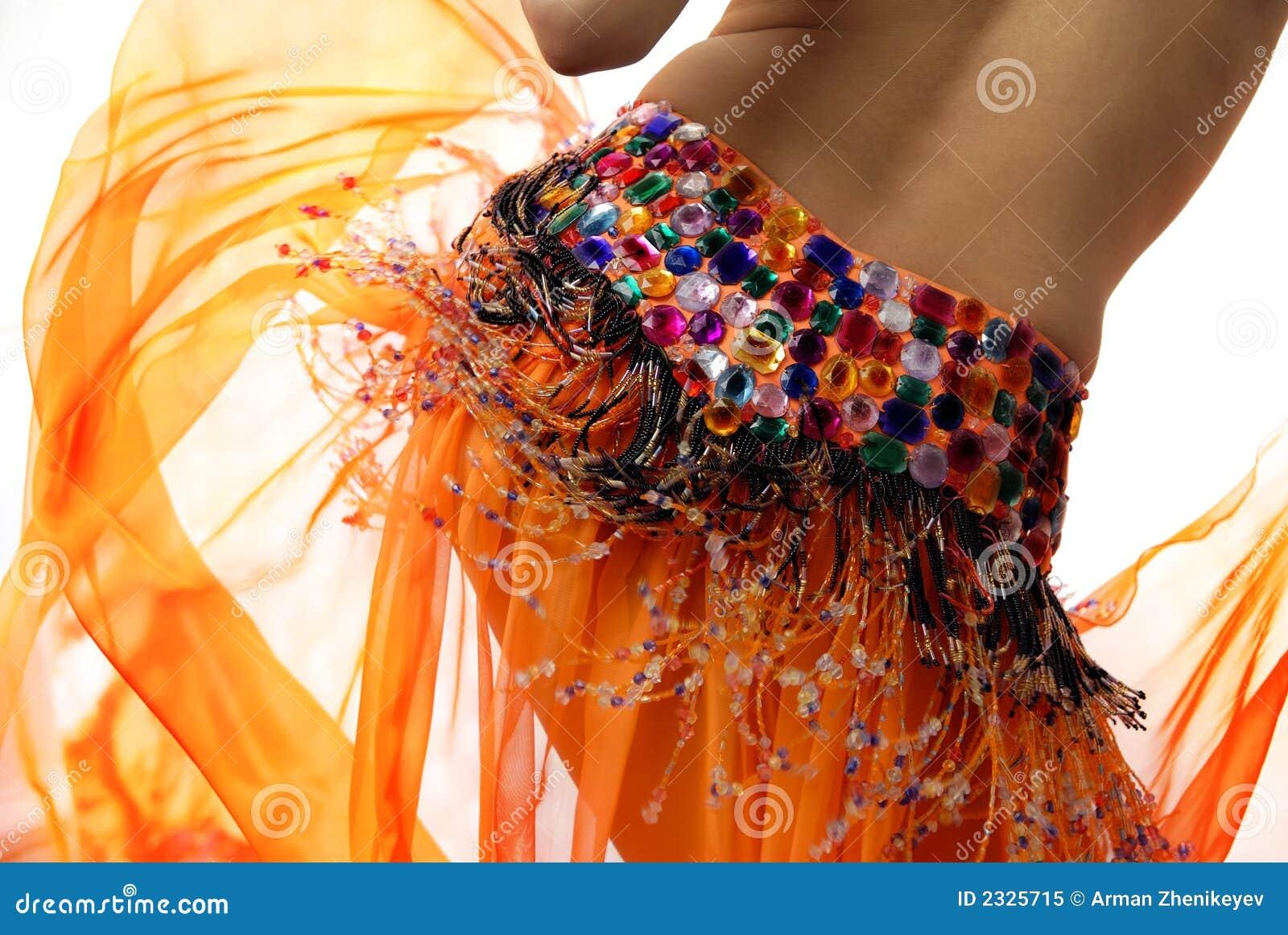 Danseur de ventre orange