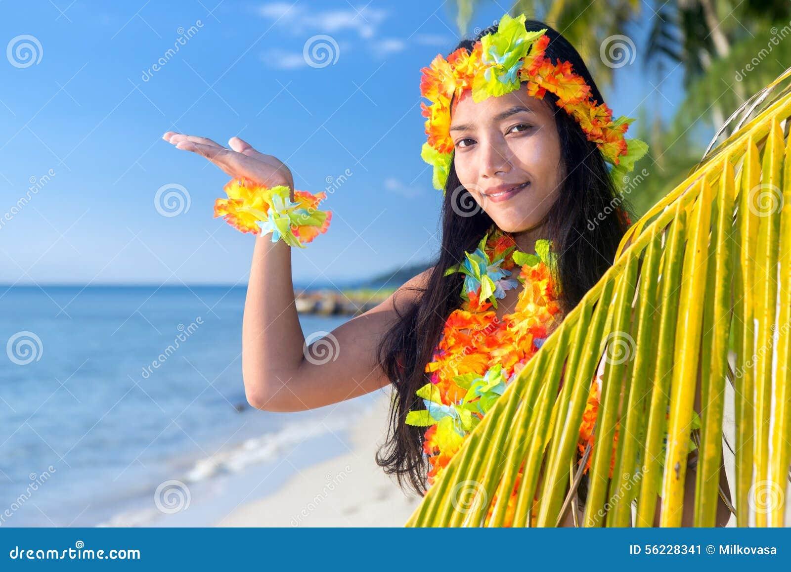 Danseurs de danse polynésienne d Hawaï
