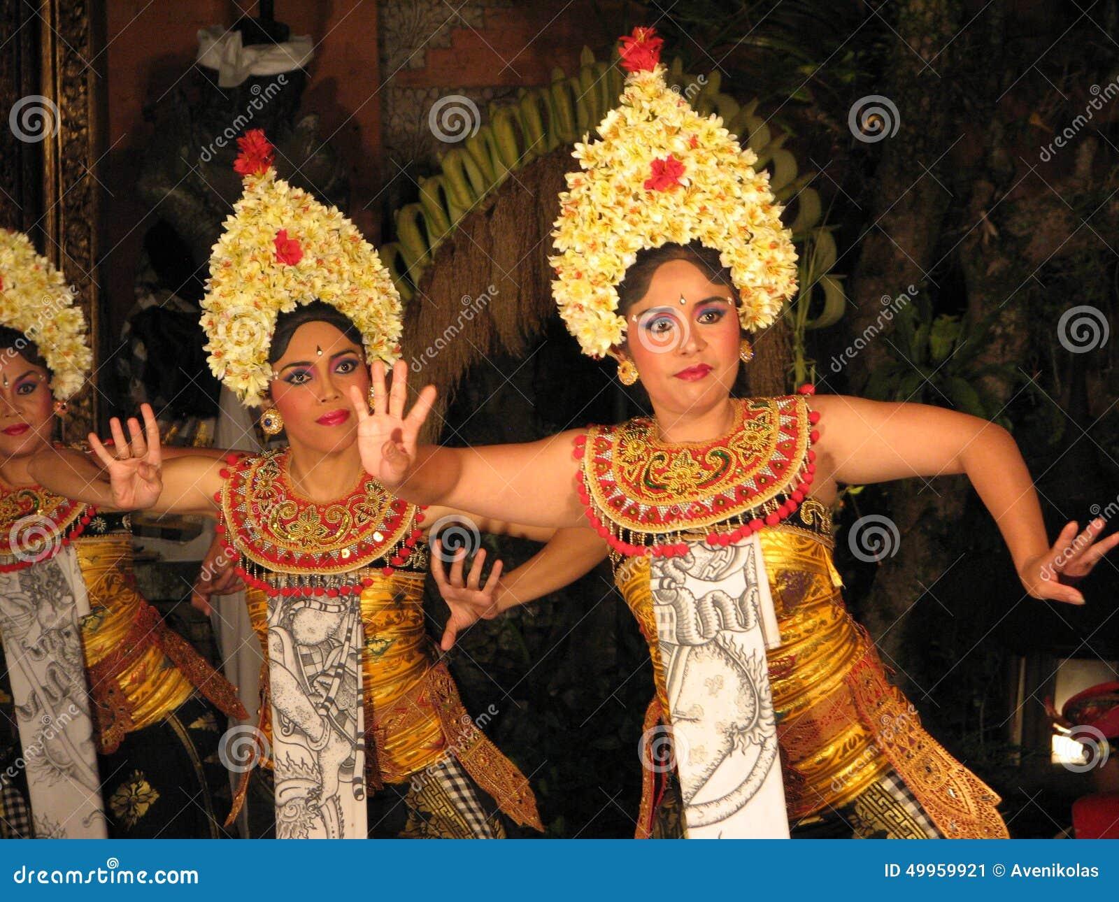 Danseurs de Legong de Balinese