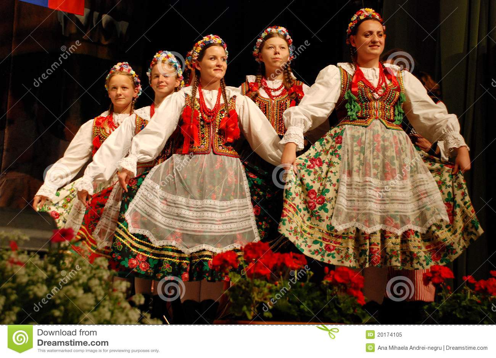 Traje popular polaco Traje Traje popular popular polaco polaco Traje popular 2IED9H