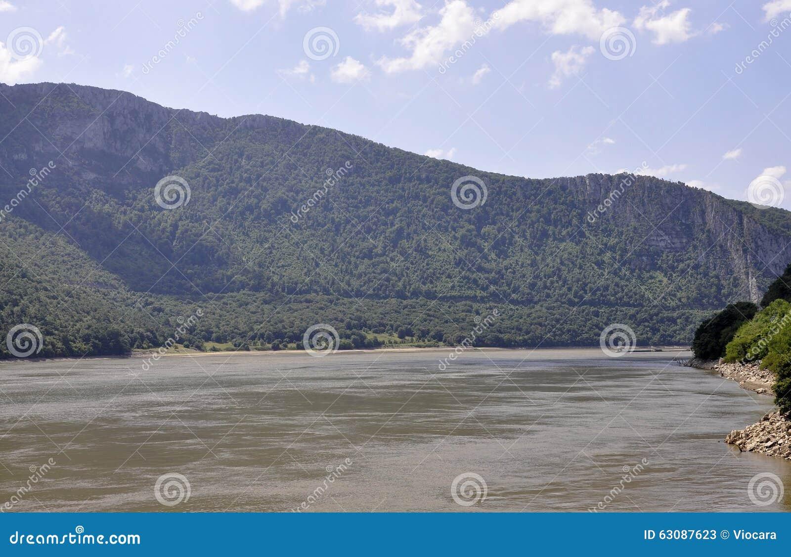 Download Danube à La Gorge De Cazane En Roumanie Image stock - Image du panoramique, navigable: 63087623