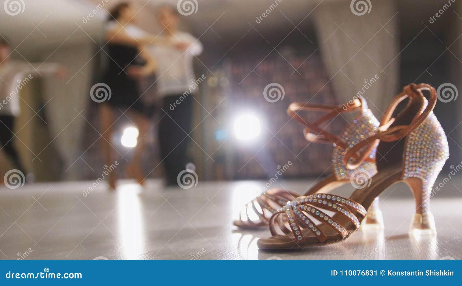 La Profesional Y Borrosa Latina Danza Baile Hombre Del De Mujer 3R5j4LA