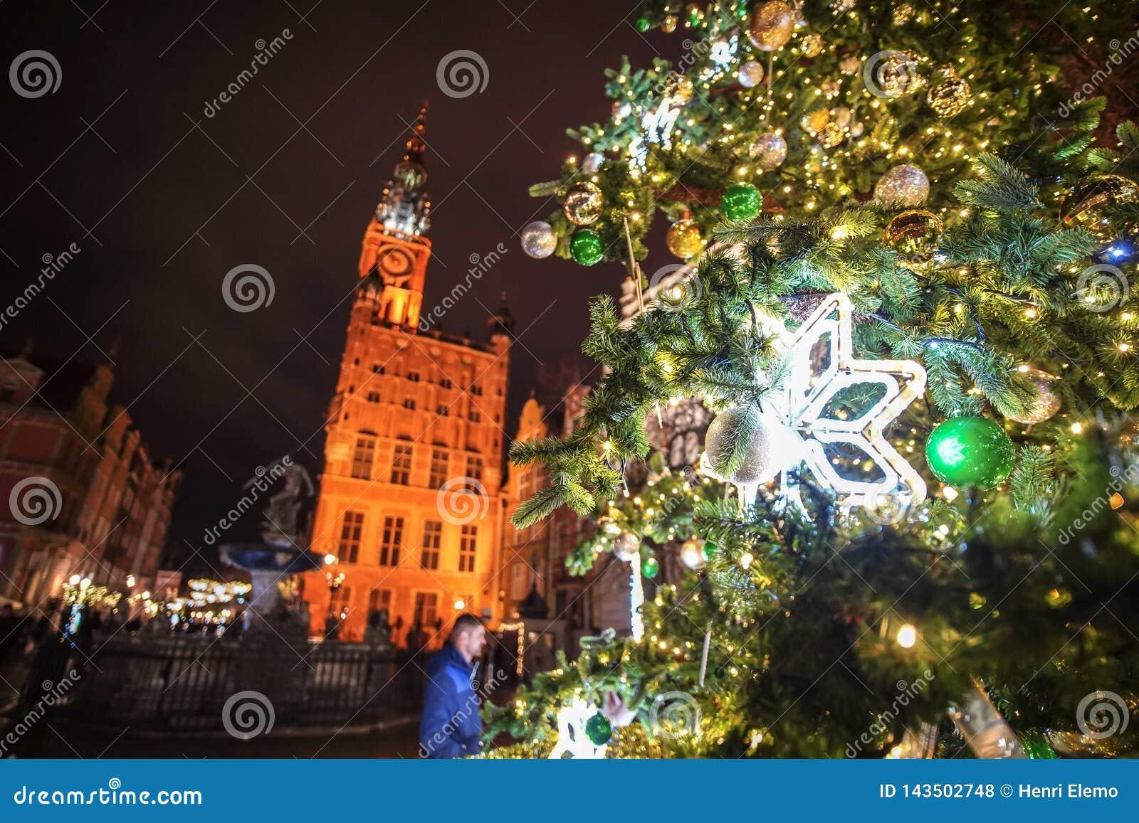 Danzig, Pologne - 13 décembre 2018 : Décorations de Noël dans la vieille ville de Danzig, Pologne