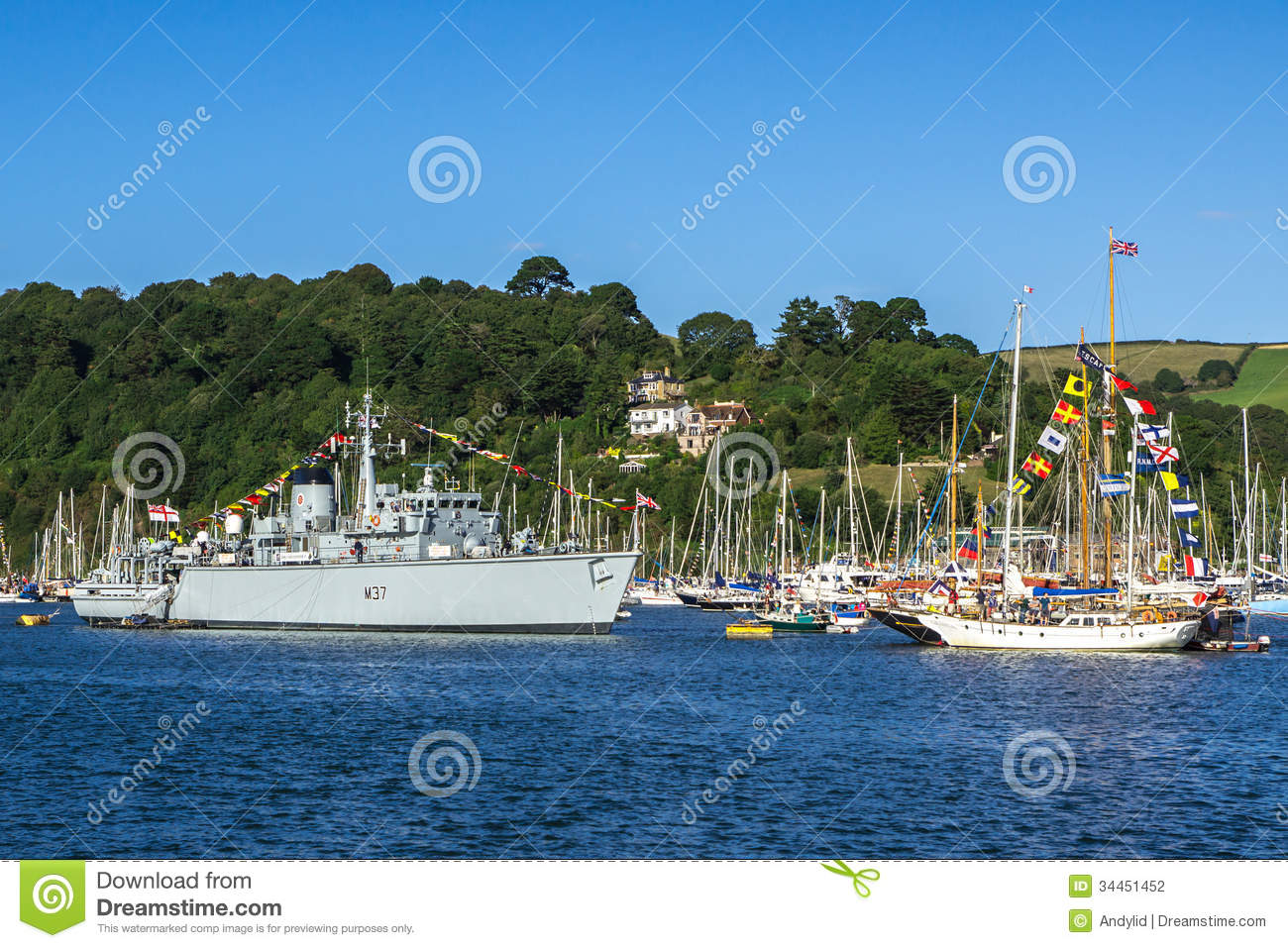 Dartmouth United Kingdom  city images : DARTMOUTH, UNITED KINGDOM AUGUST 31: Royal Navy Vessel M37 HMS ...