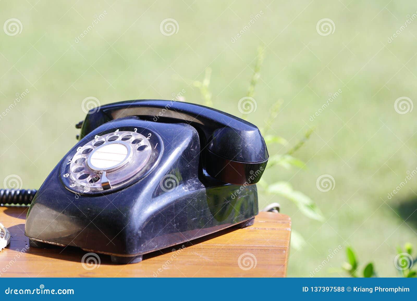 Das alte schwarze Telefon