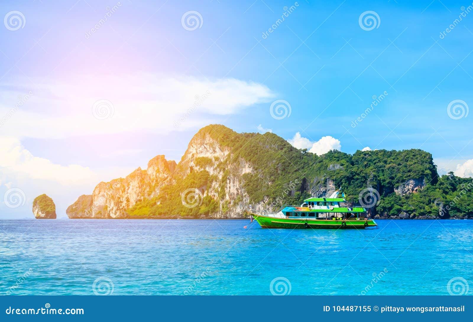 Das Boot in andaman Meer Phi Phi Islands Krabi Thailand