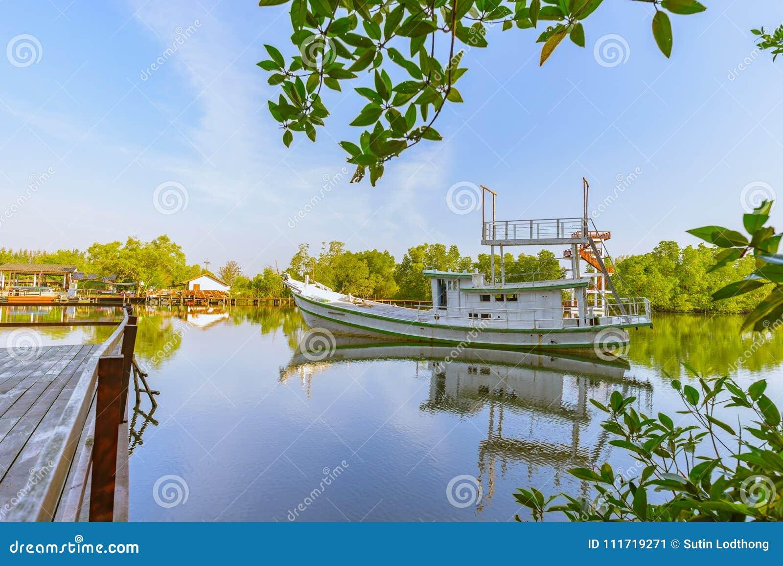 Das Boot auf dem Wasser