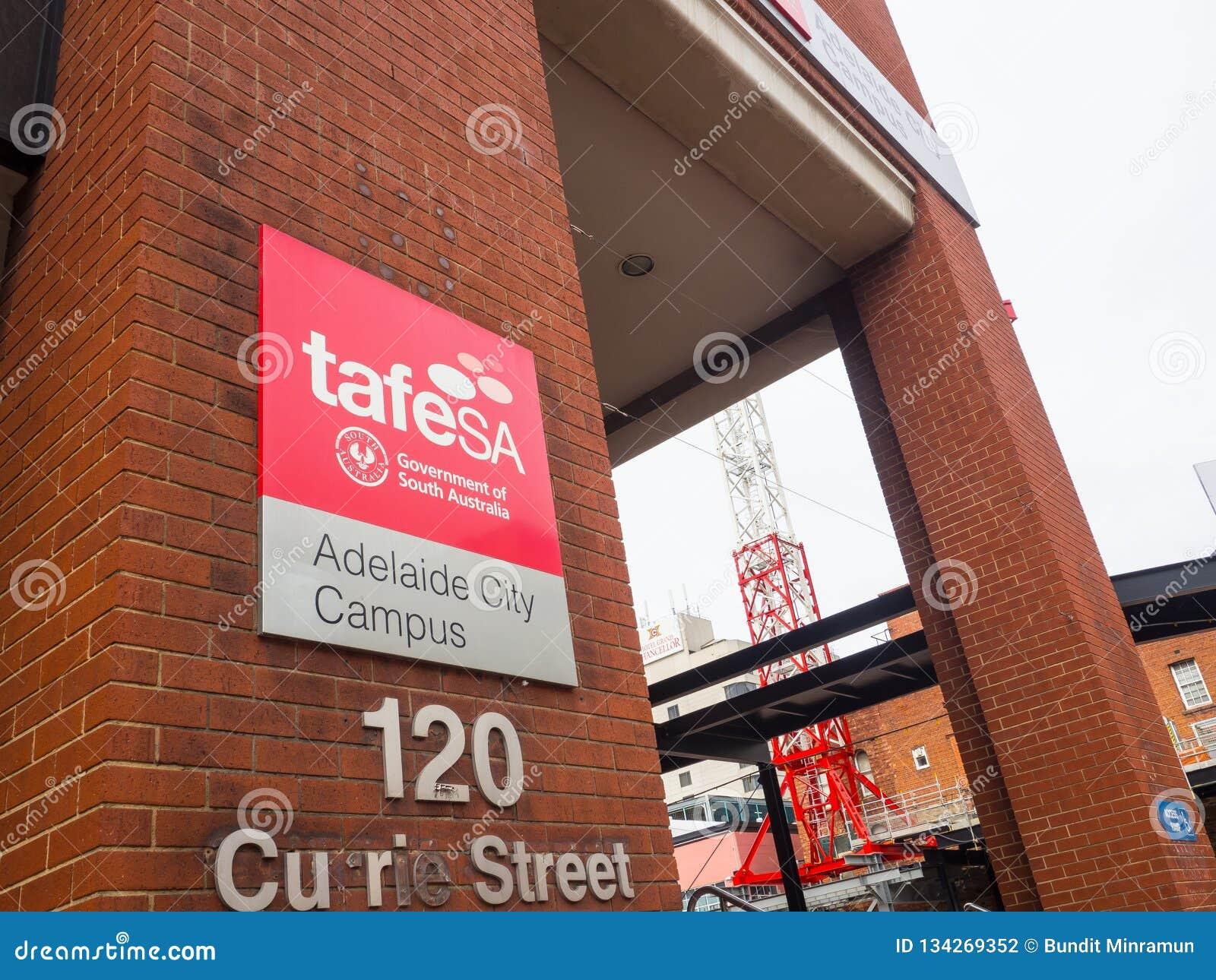Das Fassadengebäude von TAFE Süd-Australien TAFE SA ist Australiens größter Berufsausbildungsanbieter