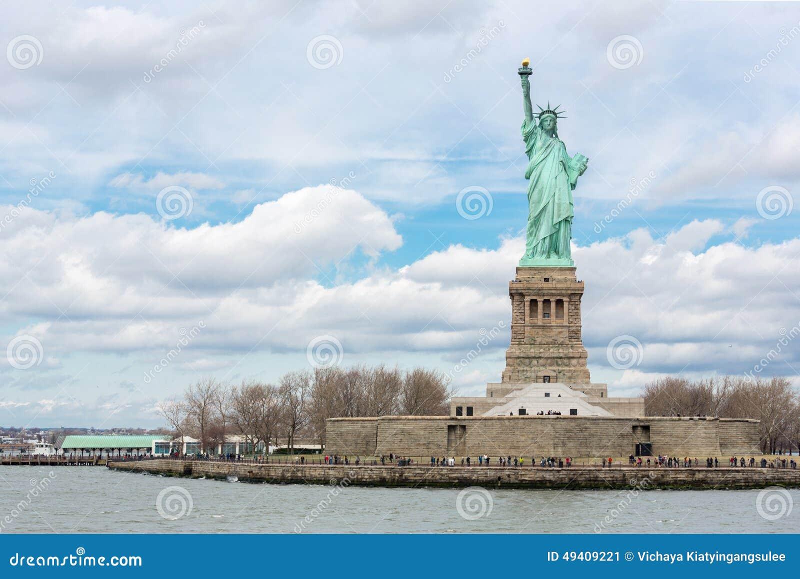 Download Das Freiheitsstatue stockbild. Bild von statue, kupfer - 49409221