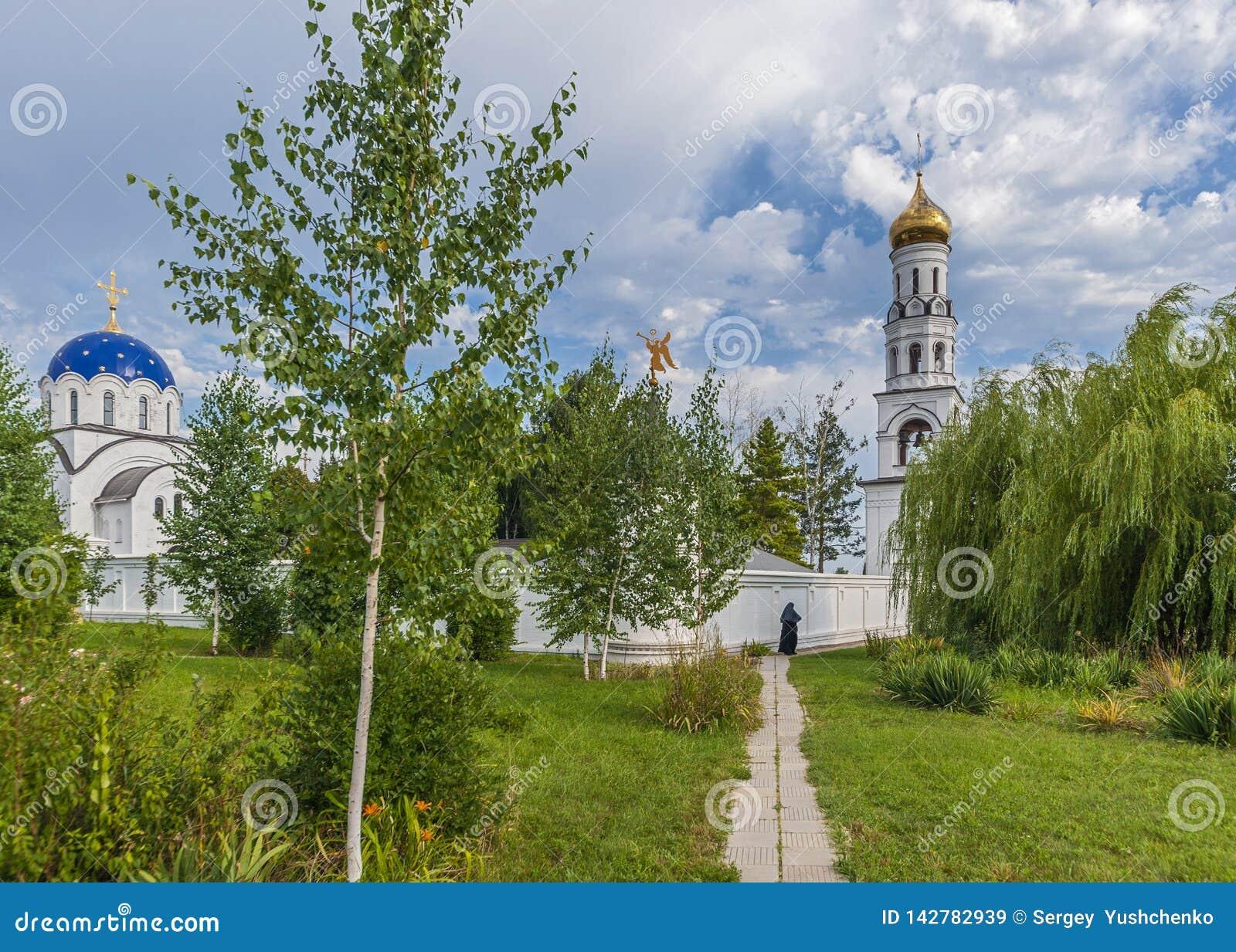 Das Gebiet und der Tempel des weiblichen Klosters