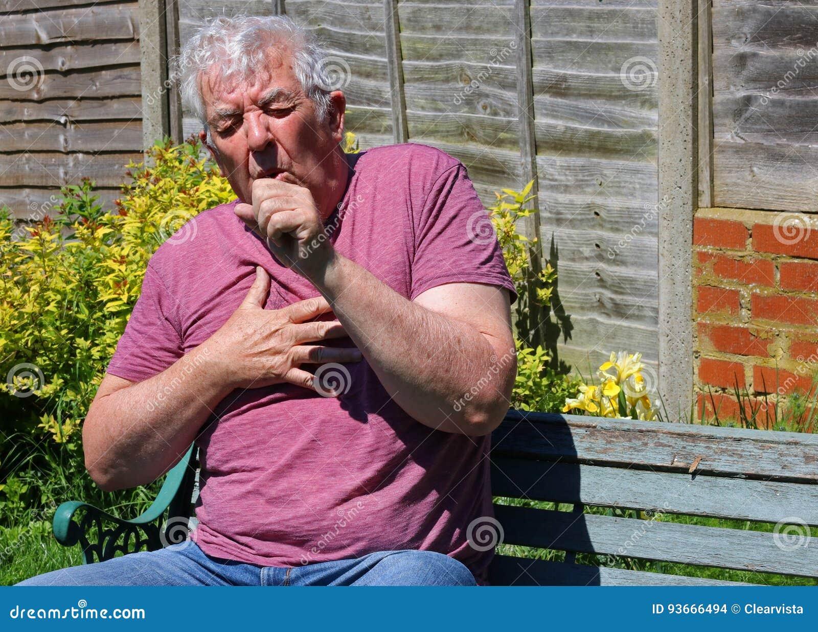 Das Husten, die Kälten, die Grippe oder die Raucher husten Abschluss oben