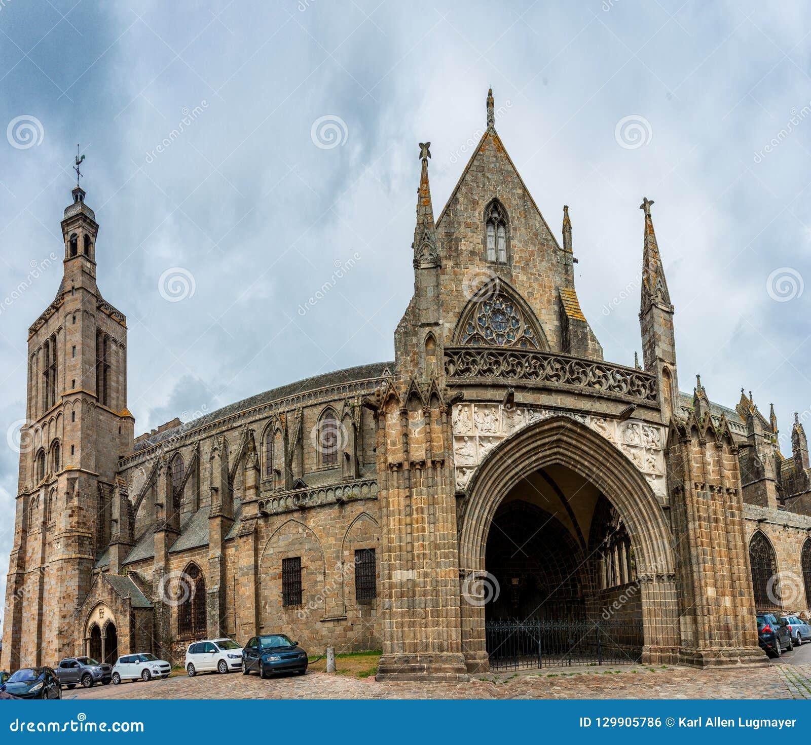 Das Kathedralen-Heilige-Samson in Dol-De-Bretagne