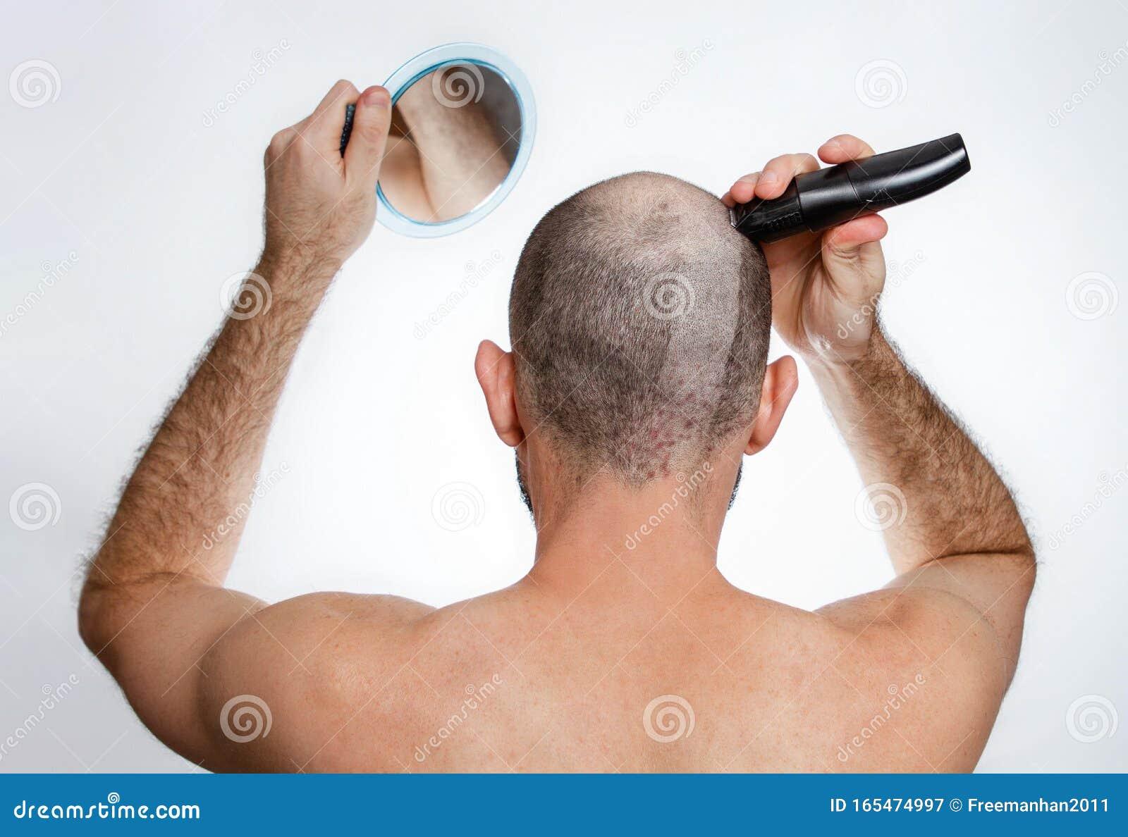 Rasiert Ihr Kopf weiblich