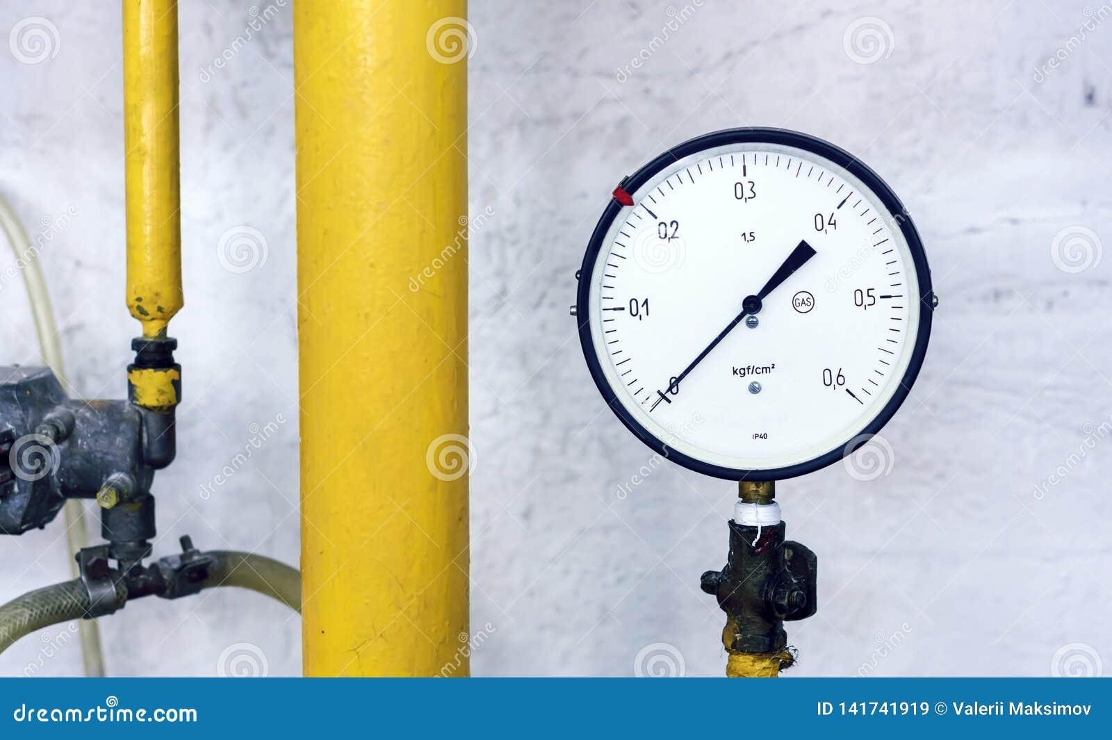 Das Manometer an der Gas-verteilenden Station Instrument für messenden Gasdruck
