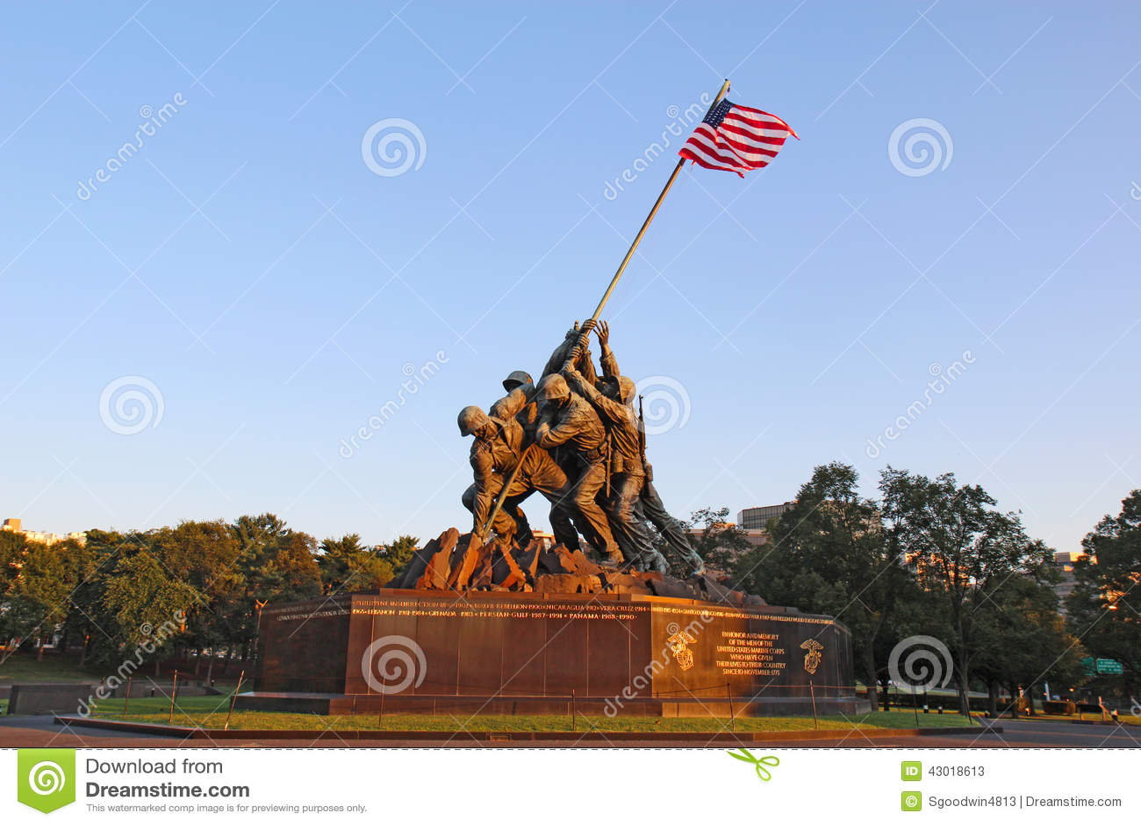 Das Marine Corps War-Denkmal In Arlington, Virginia Redaktionelles ...