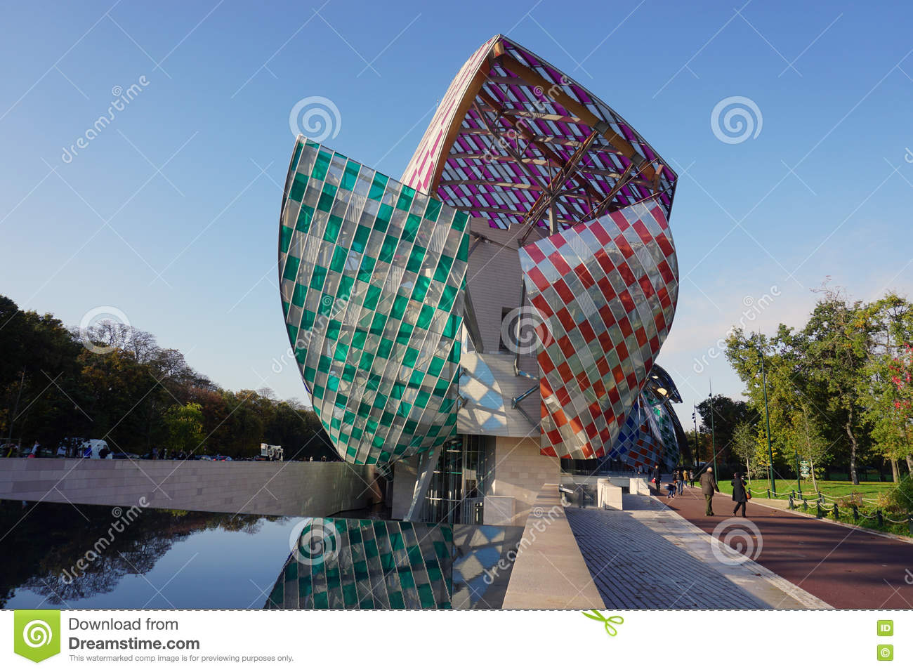 3c7859281b450 Das Museum Fondation Louis Vuitton In Paris Redaktionelles Stockbild ...